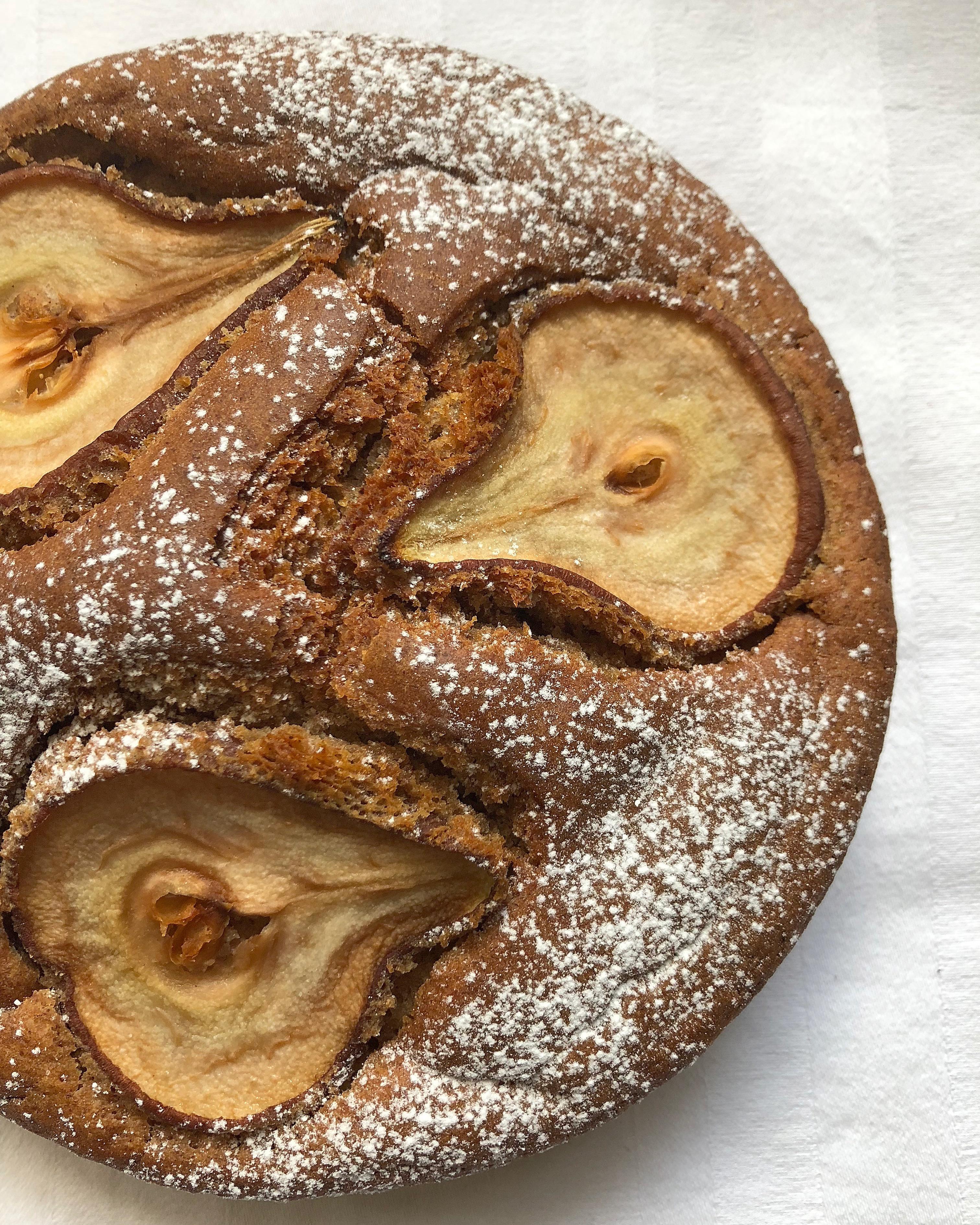 Torta di Pere Senza Burro, un dolce perfetto per restare in forma con gusto di dolci senza burro