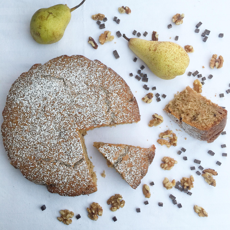 Torta Pere Noci e Gocce di Cioccolato Senza Burro, il dolce autunnale di dolci senza burro