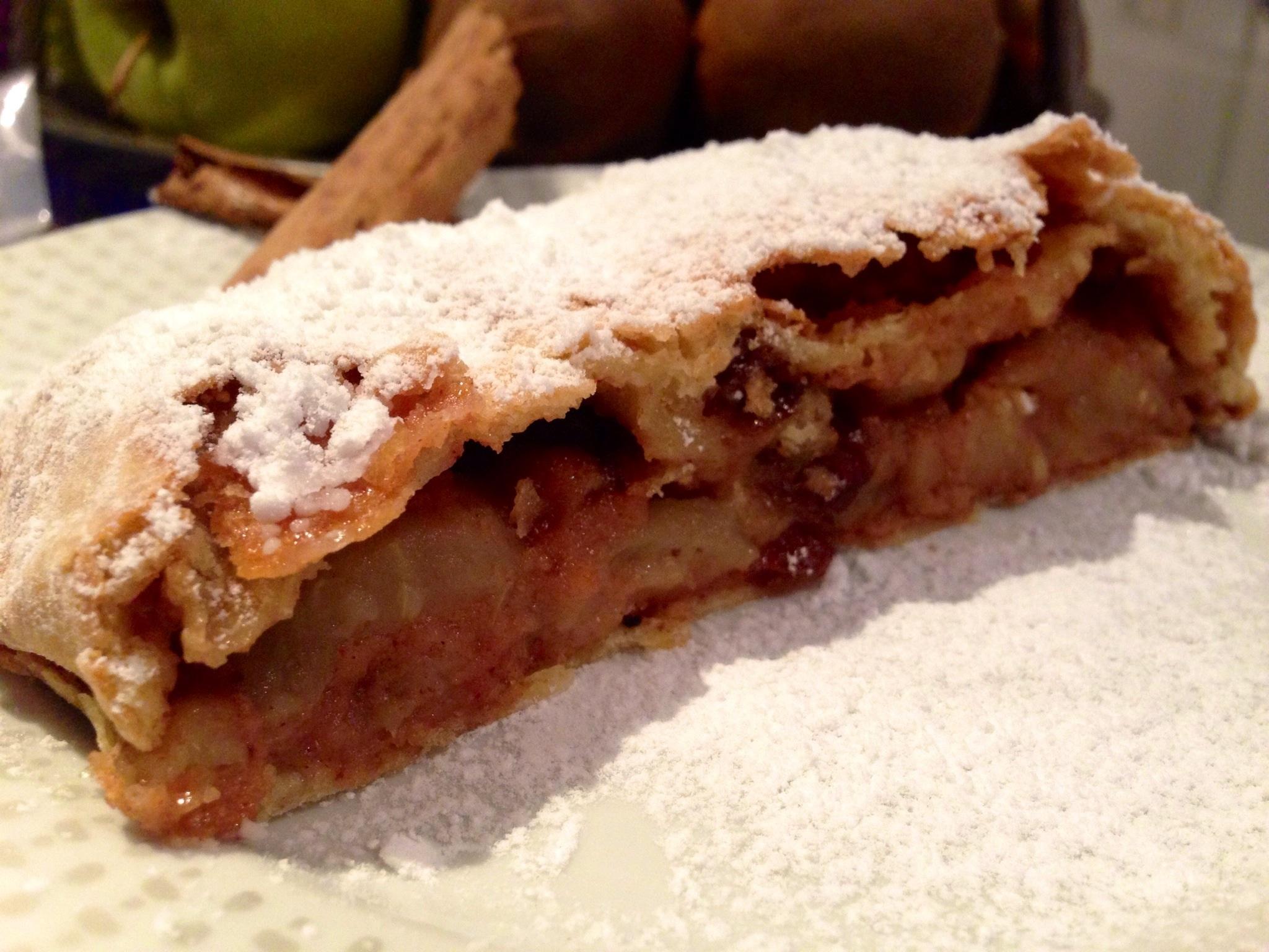 Strudel di Mele Senza Burro, il classico dolce in versione light di Dolci Senza Burro
