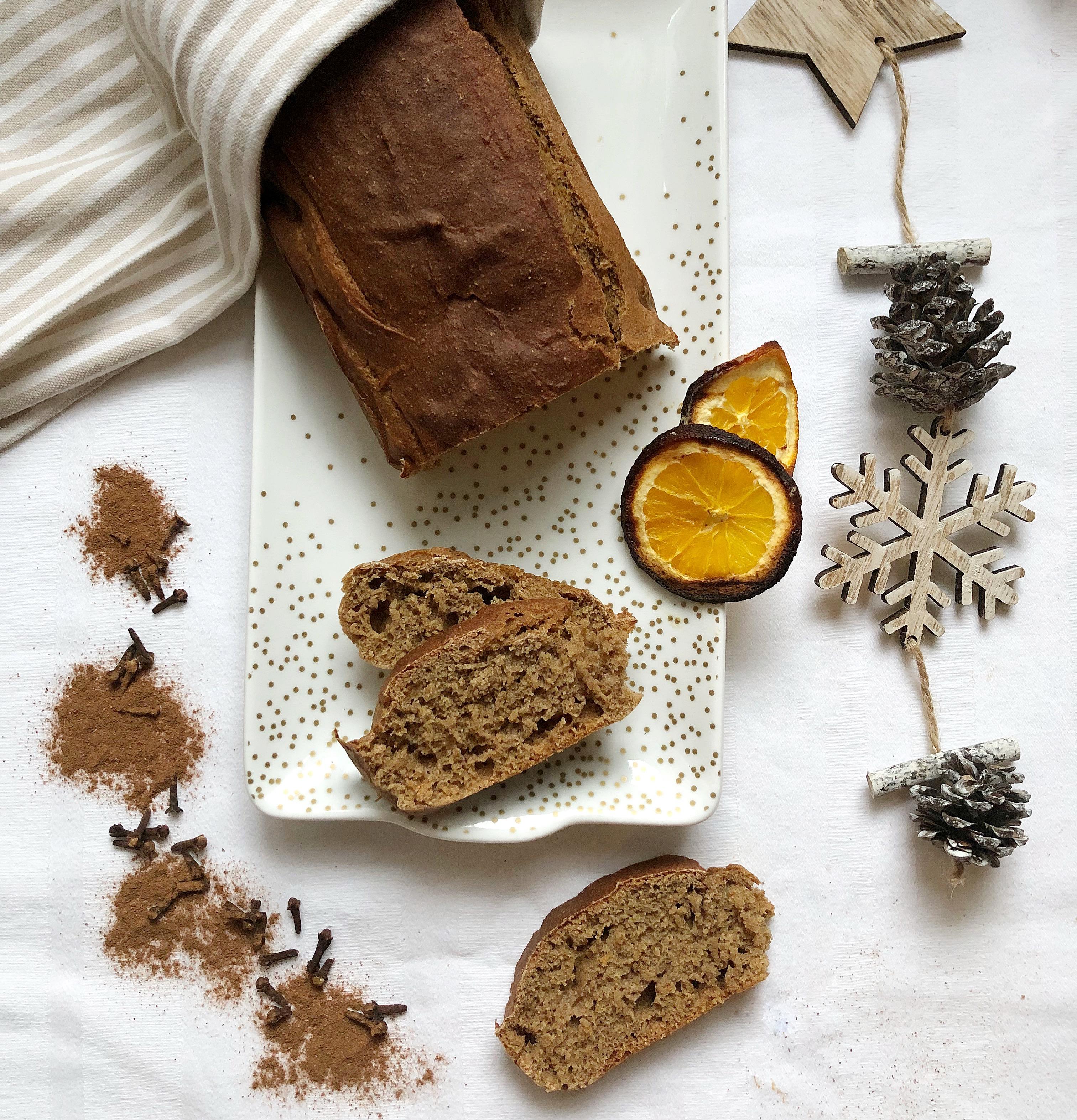 Il Pan Speziato è un un morbido pane dal gusto speziato che profuma di Natale di dolci senza burro