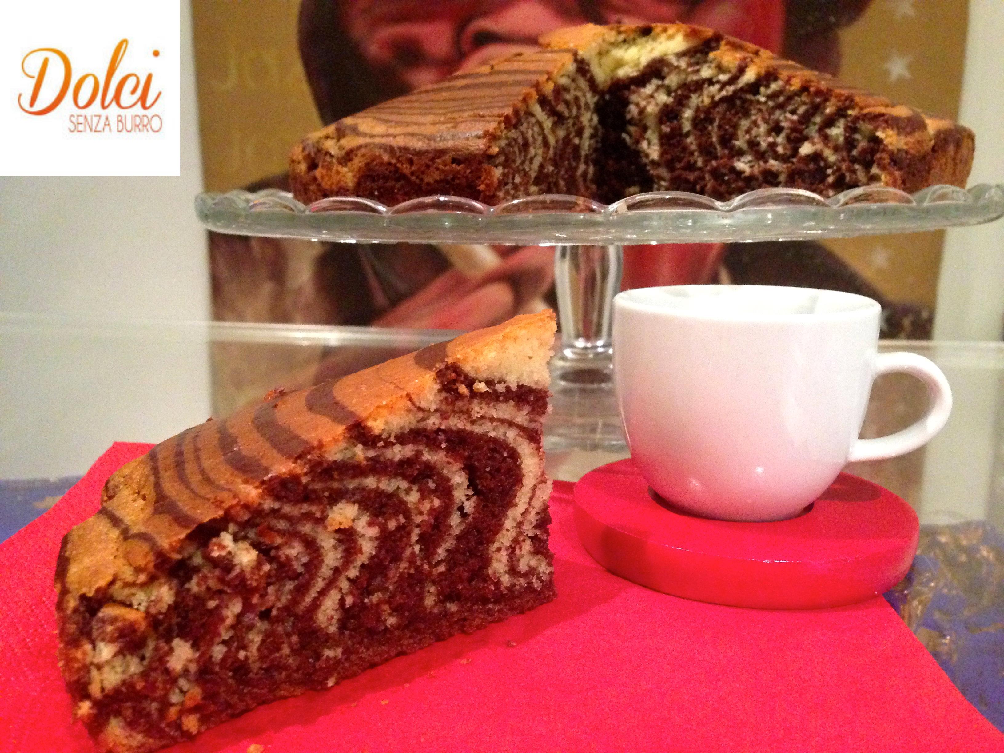 la torta zebrata senza burro, un impasto leggero senza lattosio di dolci senza burro