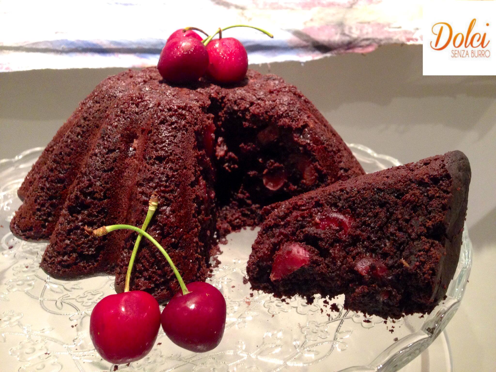torta al cioccolato senza burro con ciliegie, il dolce senza lattosio di dolci senza burro