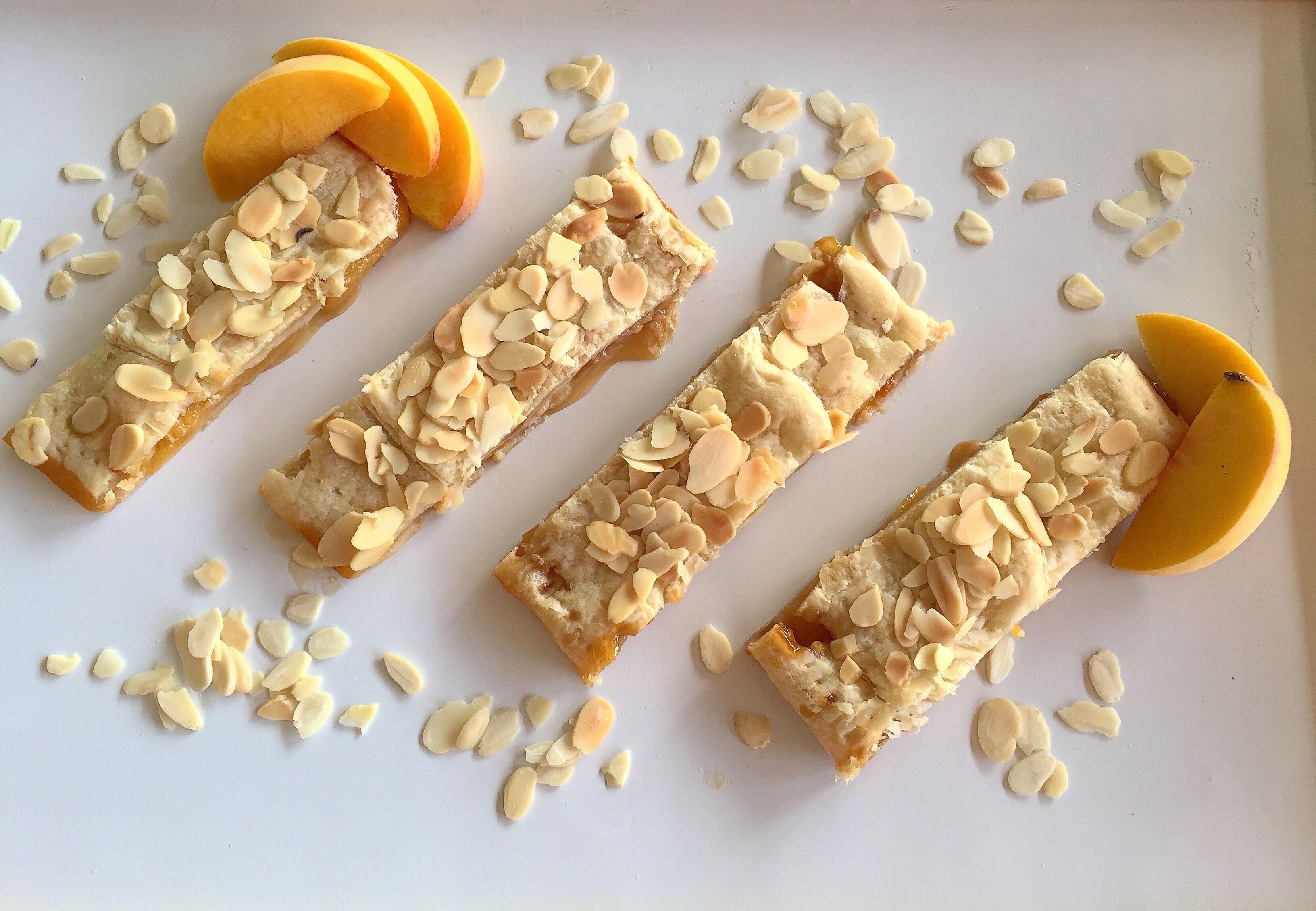 Lo Strudel di Pesche Senza Burro è la versione estiva di dolci senza burro!