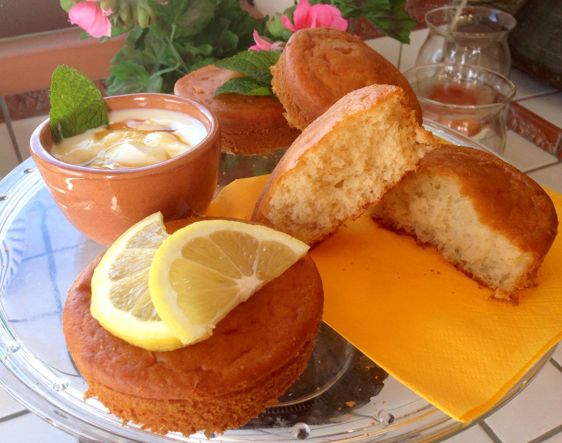 Mini Cake al Limone Senza Burro realizzate senza lattosio con sciroppo d'acero di Dolci Senza Burro