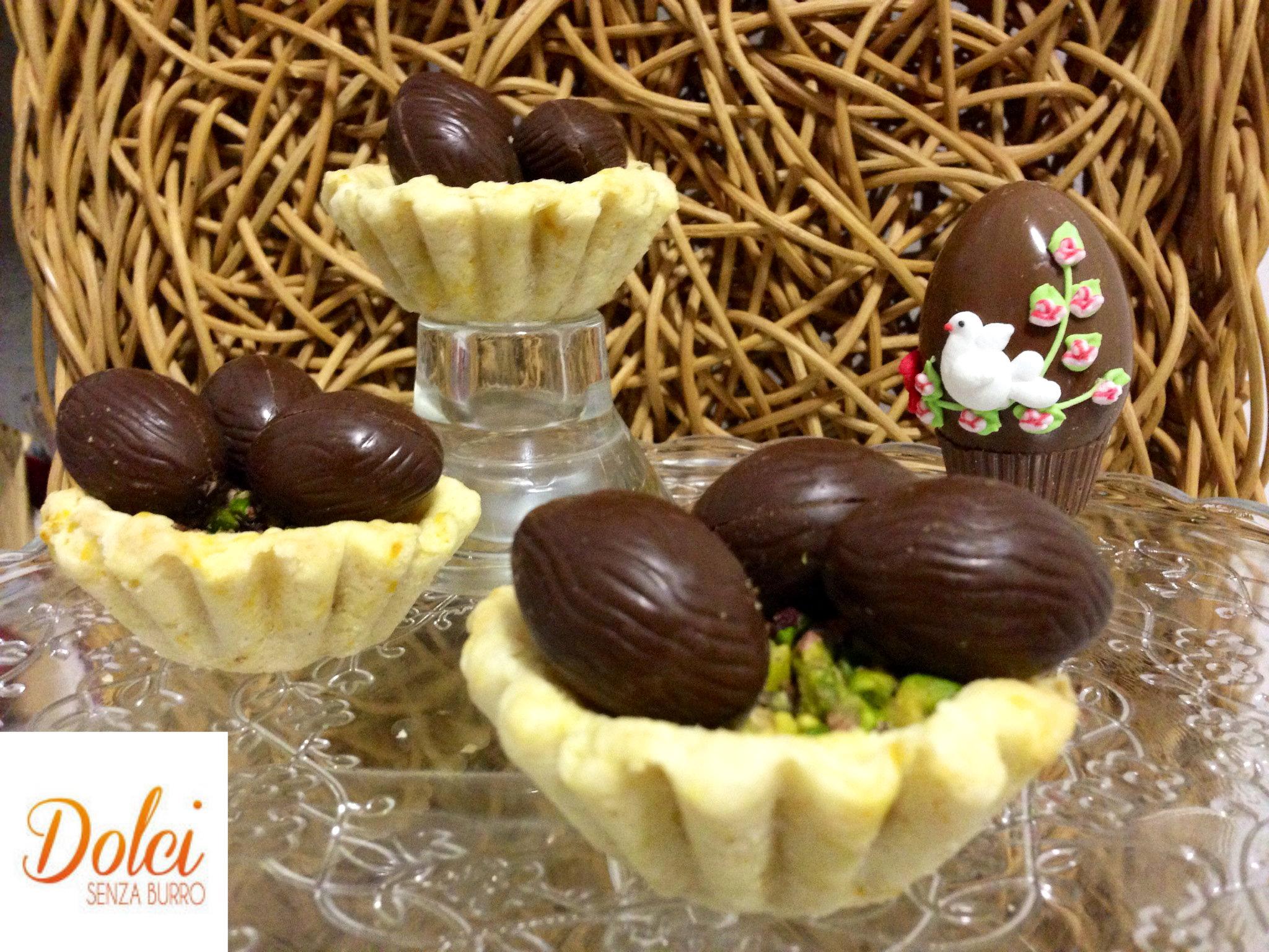 I Cestini Dolci Senza Burro con Uova di Pasqua sono dei nidi dolci senza burro