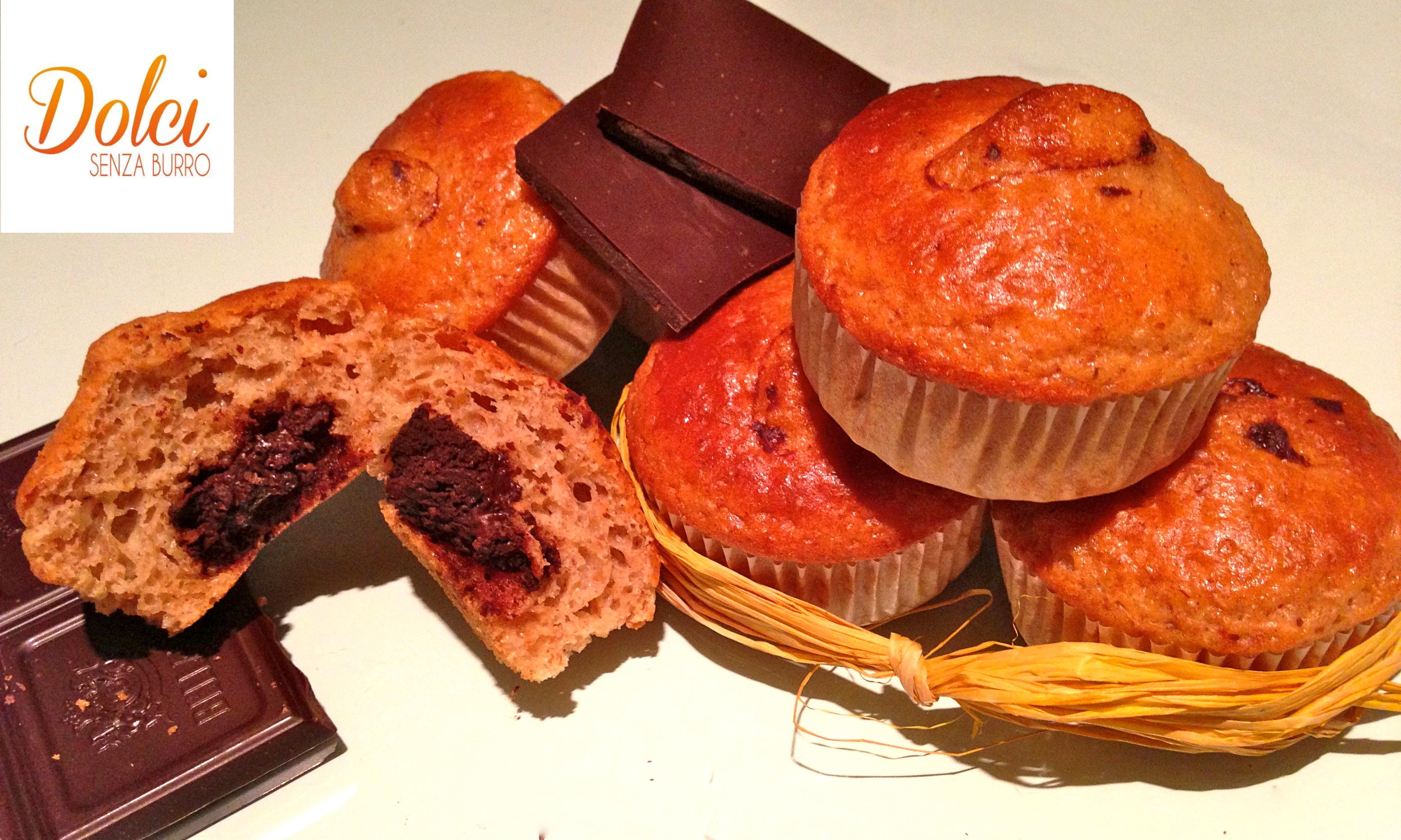 Muffin Senza Burro con cuore al cioccolato, golosi e leggeri di dolci senza burro