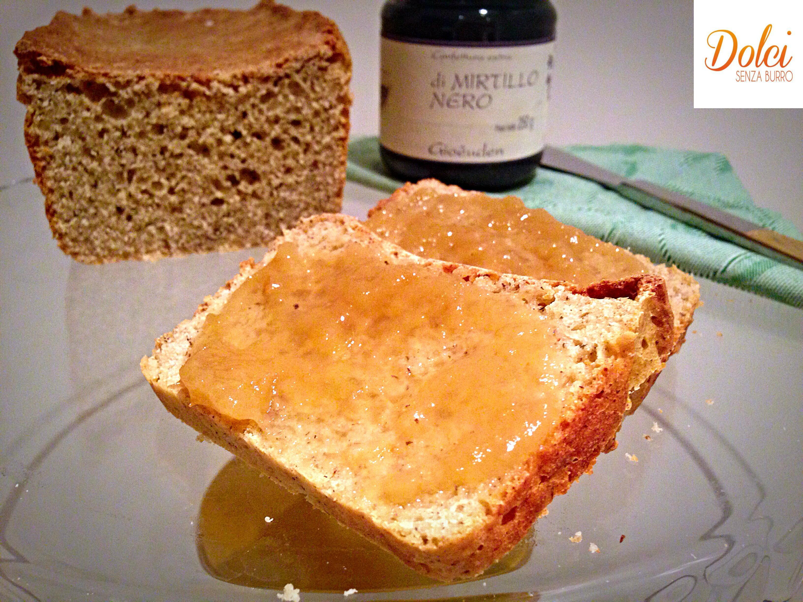 Pan bauletto senza glutine e burro, il pane per la colazione di dolci senza burro