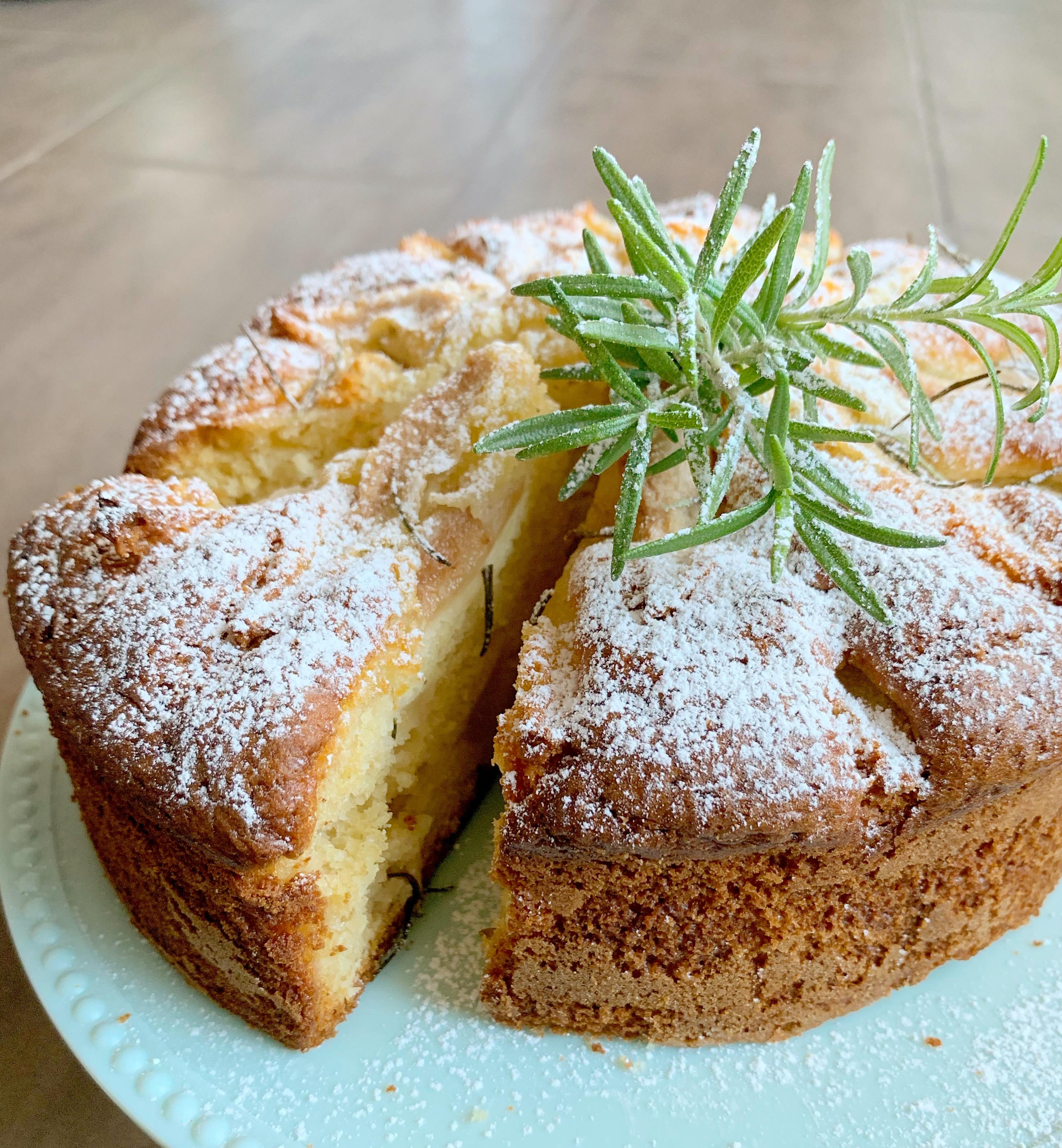 Torta di Pere e Rosmarino Senza Burro, un dolce particolare e goloso di dolci senza burro
