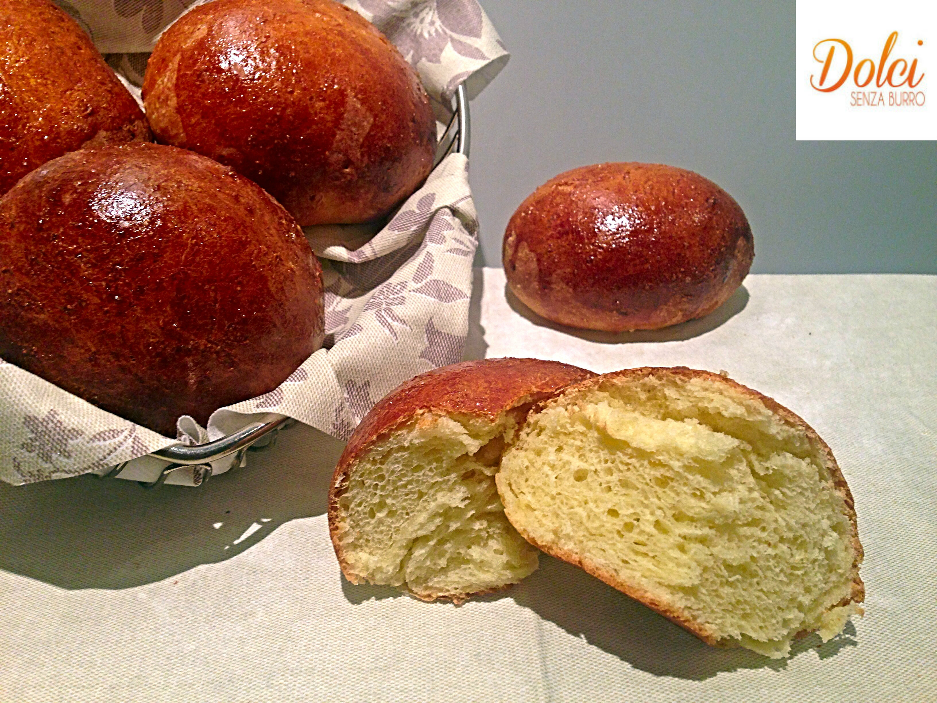 Panini al Latte Senza Burro, i panini dolci senza lattosio leggeri e golosi di dolci senza burro