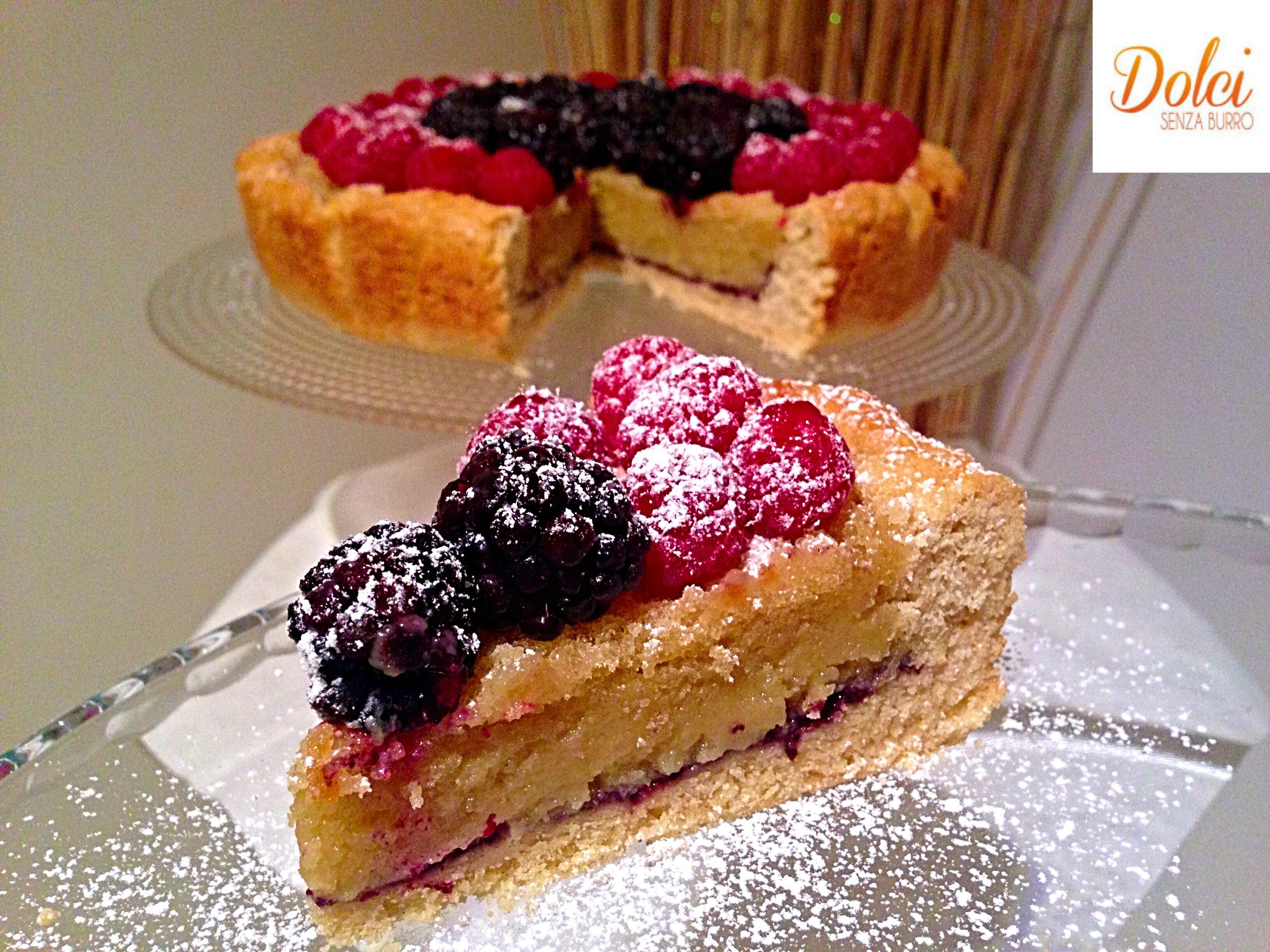Crostata Frangipane ai Frutti di Bosco Senza Burro e Uova, il frangipane light di dolci senza burro