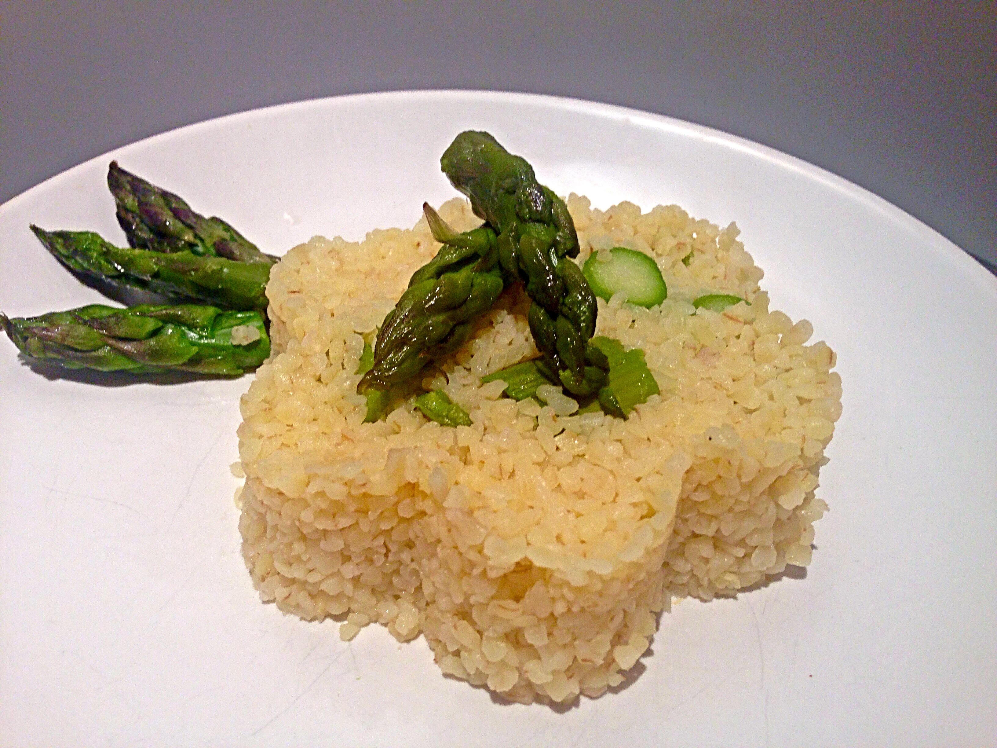 Bulgur Risottato con Asparagi un piatto fresco e light realizzato con Cukò di Imetec da Dolci Senza Burro