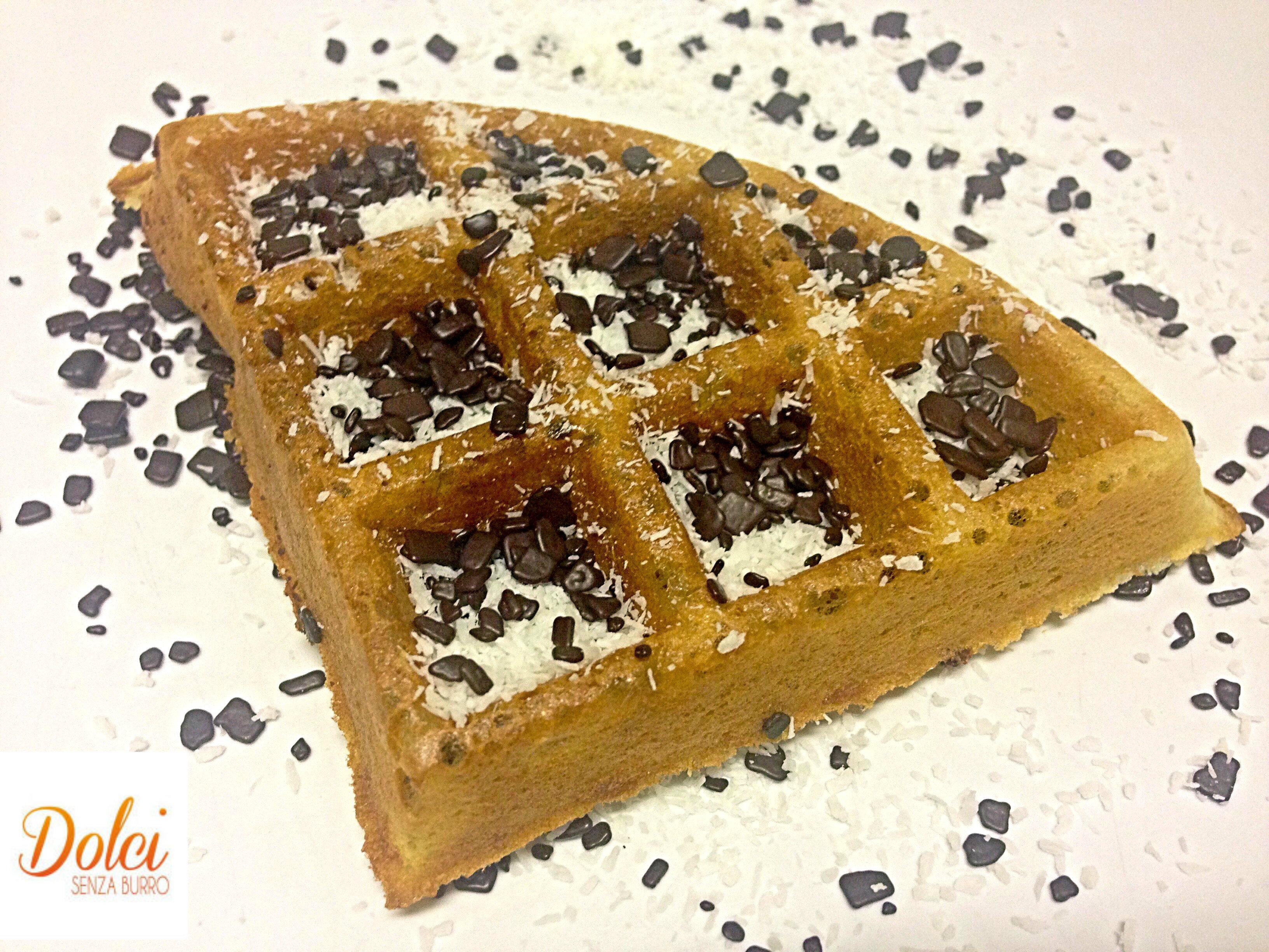 Waffle Senza Uova e Burro al Cocco. la variante leggera e golosa di dolci senza burro