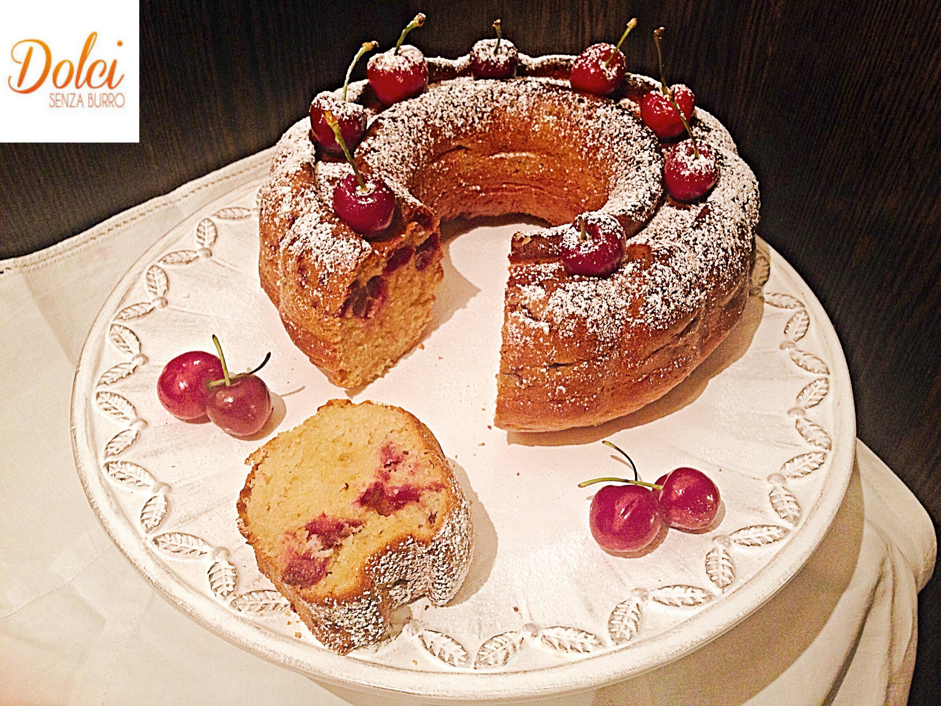 Torta di Ciliegie Senza burro, il dolce soffice leggero e goloso di dolci senza burro