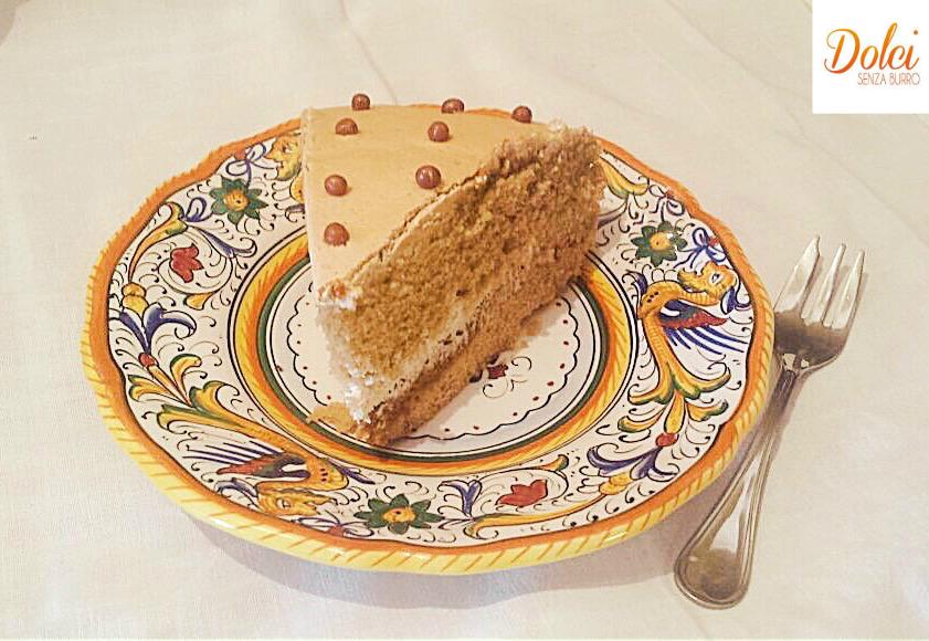 Torta alla Crema di Caffè Senza Burro, il dolce delicato e goloso di dolci senza burro