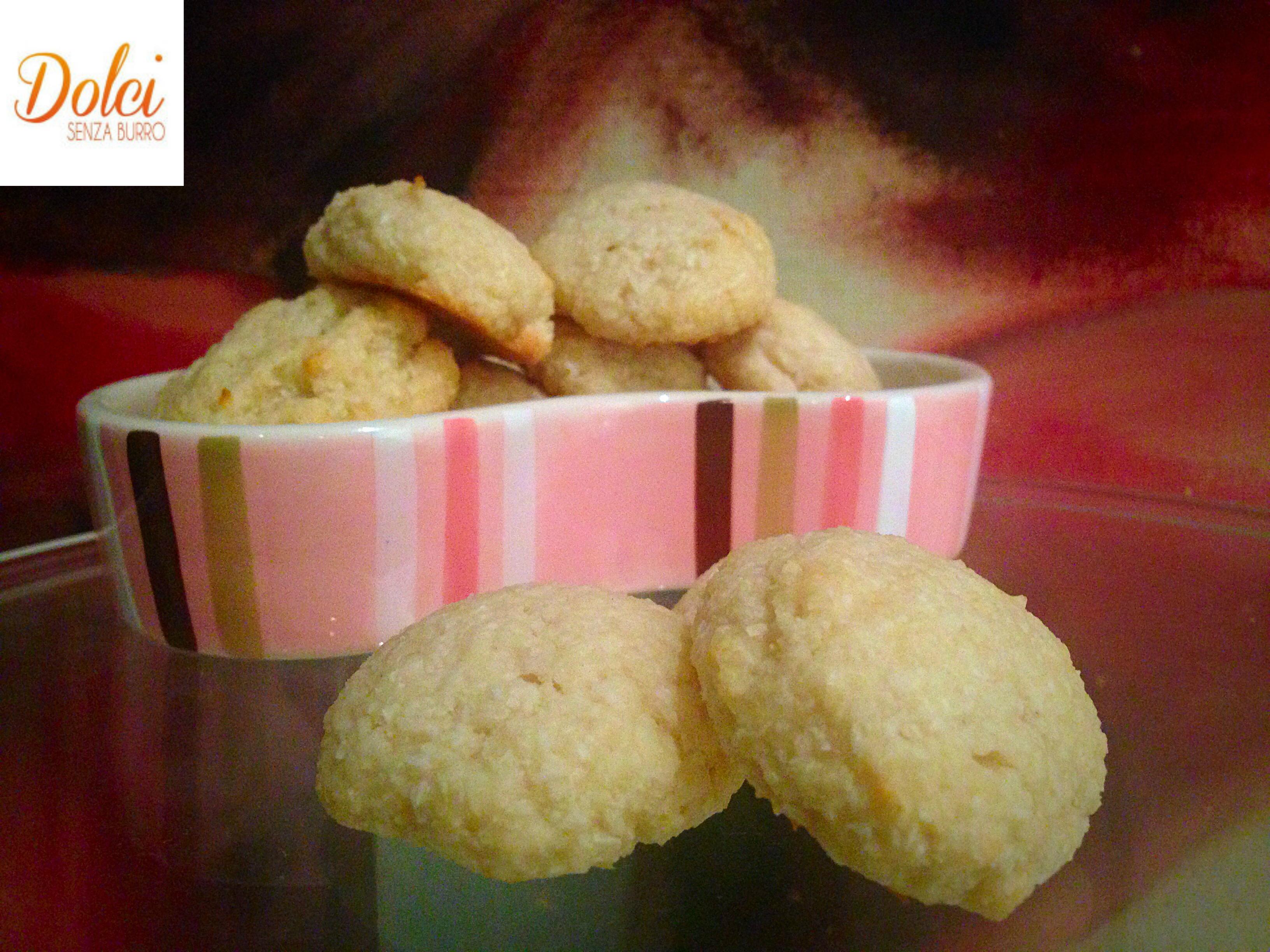 Biscotti al Cocco e Yogurt Senza Burro, i biscotti light di dolci senza burro
