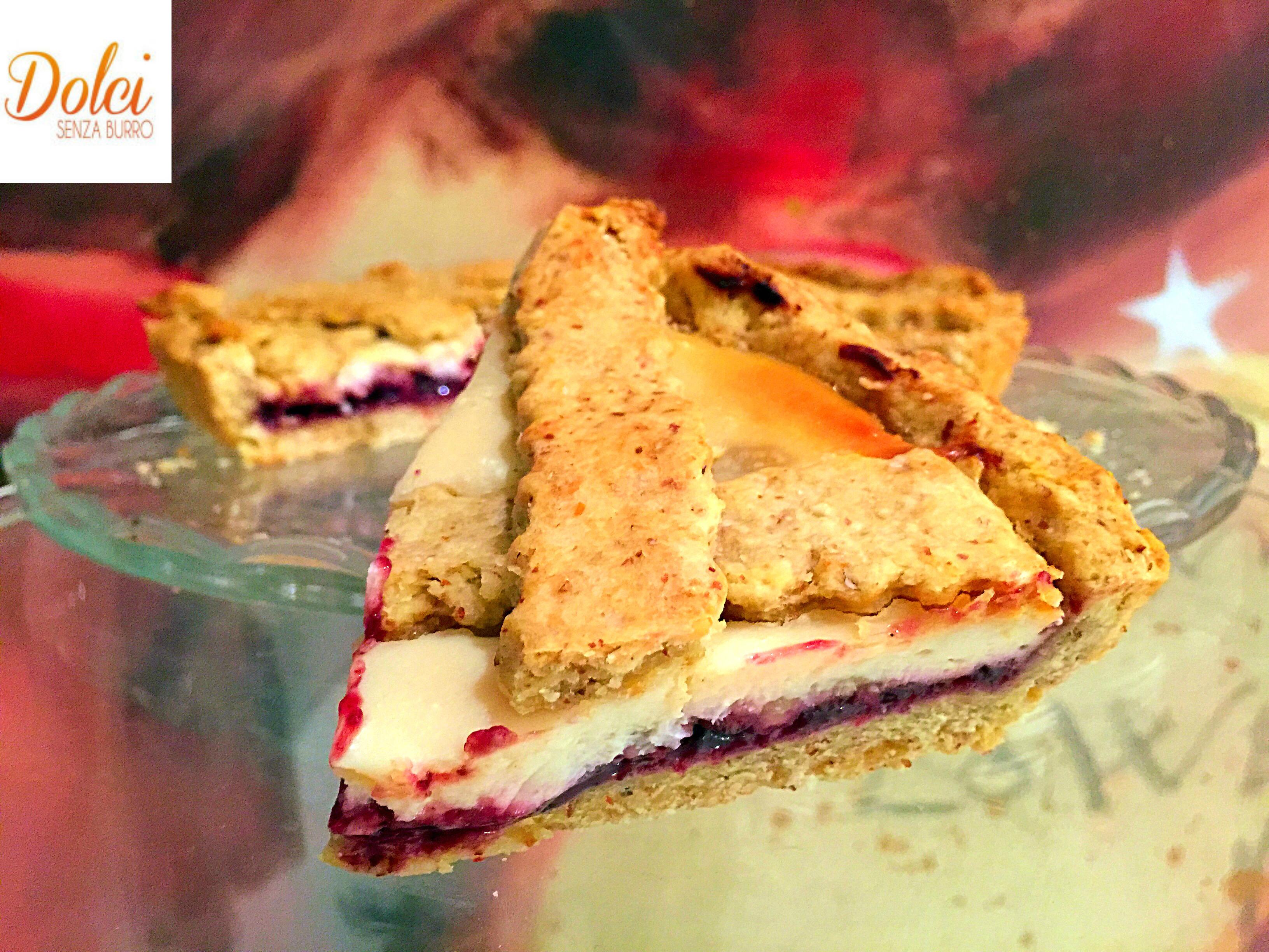 Crostata Ricotta e Frutti di Bosco Senza Burro, un dolce vegano goloso e leggero di dolci senza burro