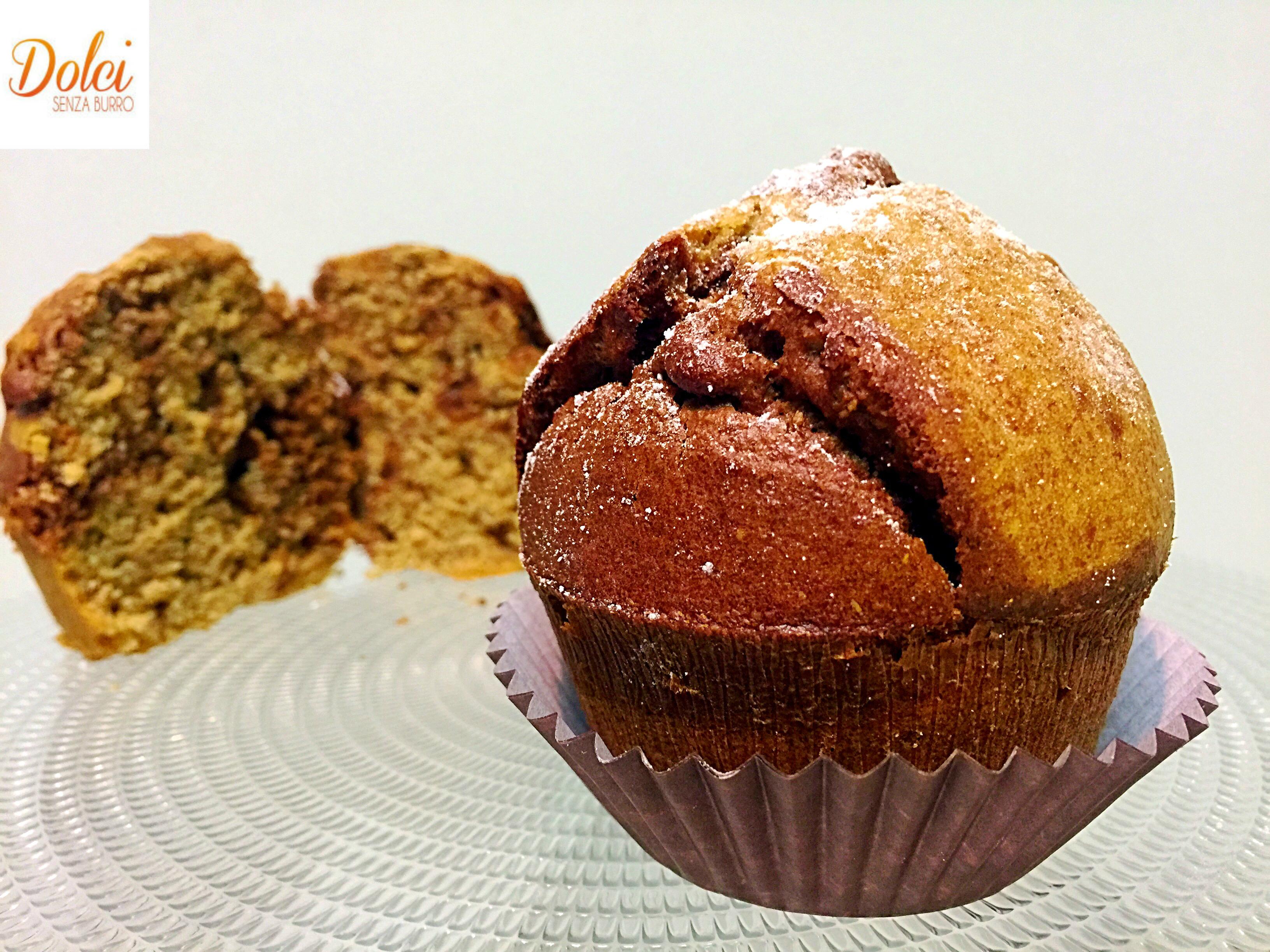 Muffin marmorizzati senza burro, dei golosi muffin bicolore alla vaniglia e al cioccolato leggeri e golosi di dolci senza burro
