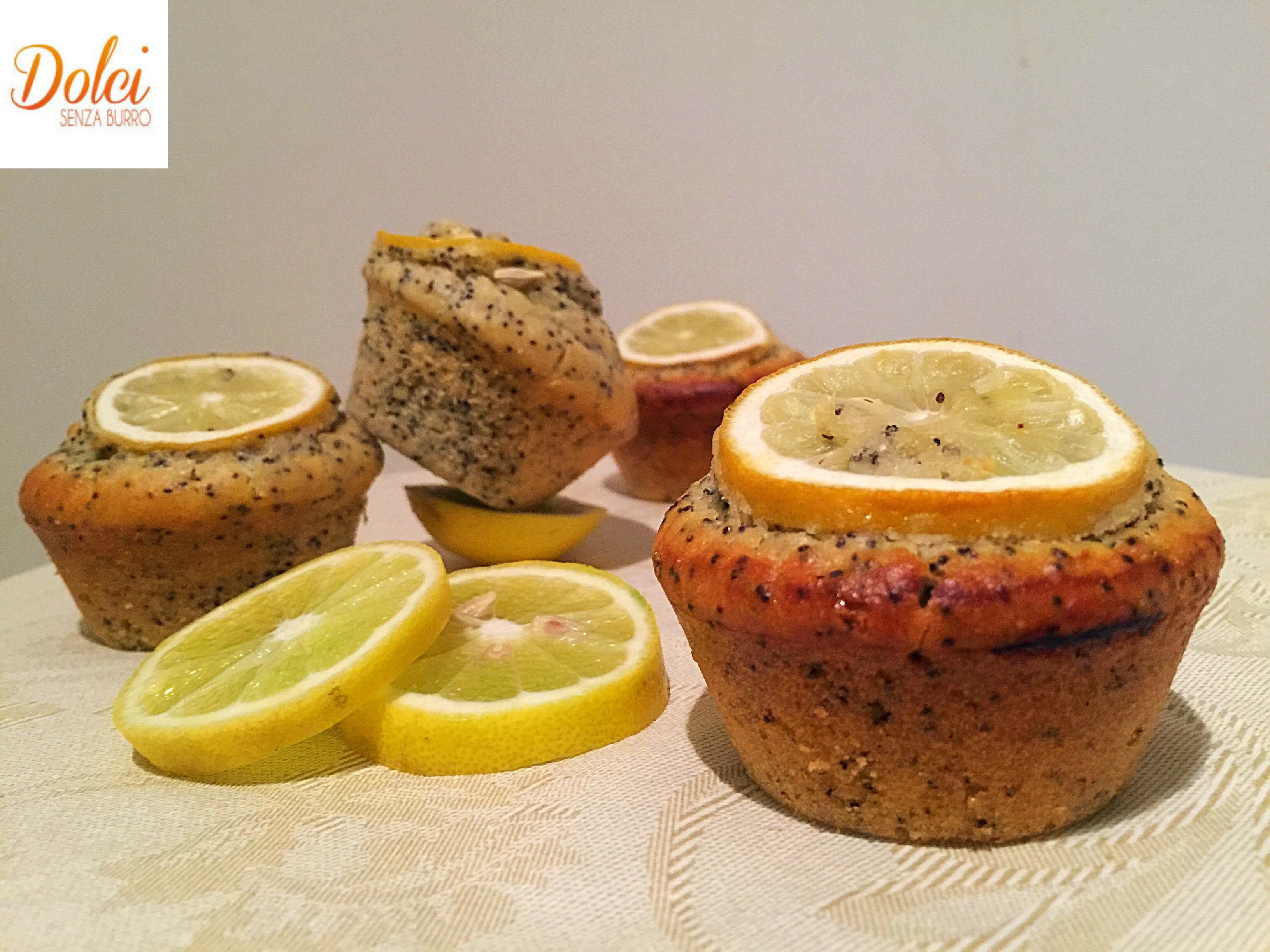Muffin al Limone e Semi di Papavero Senza Burro, i muffin golosi leggeri e freschi senza lattosio di dolci senza burro