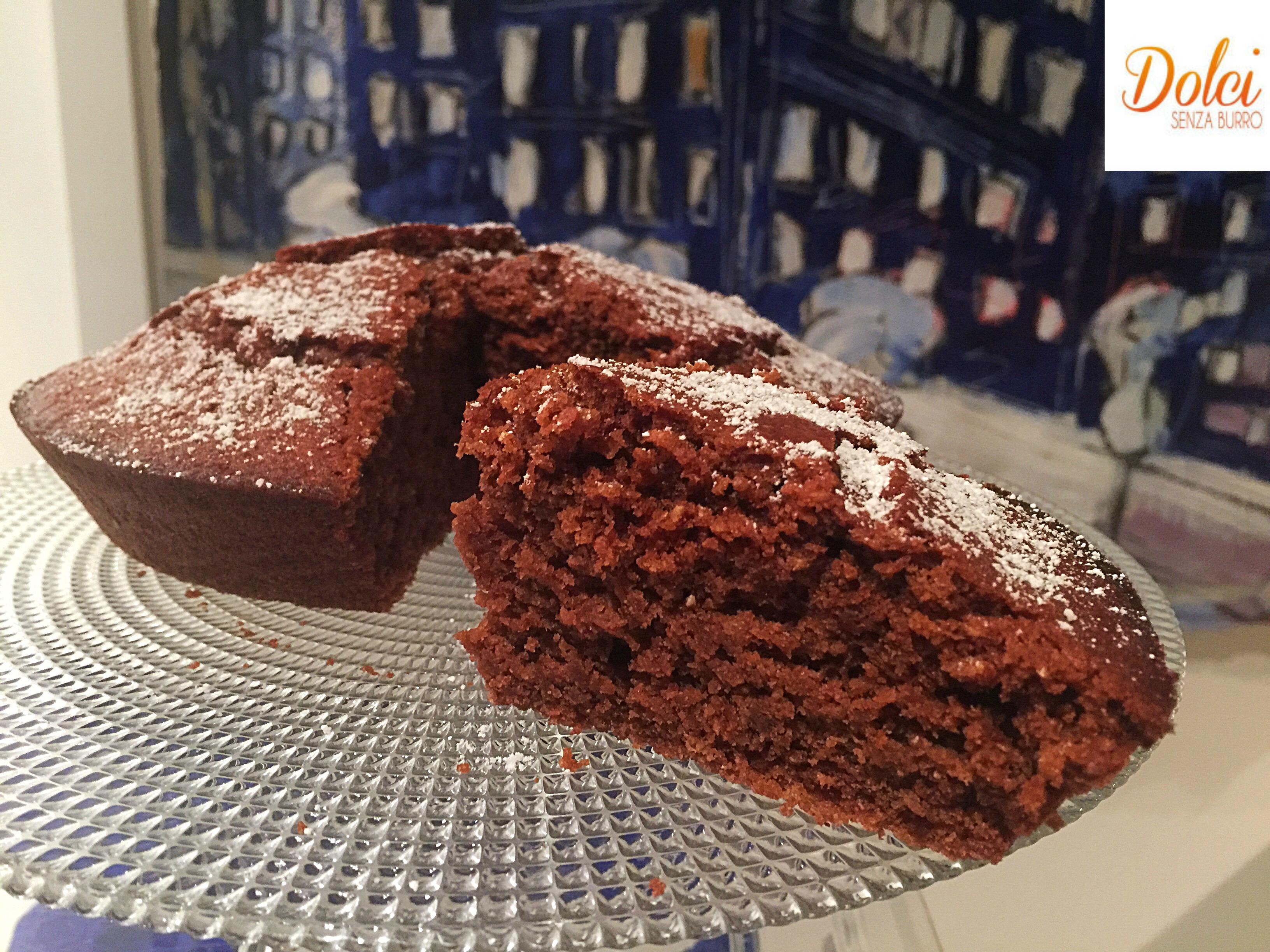 Torta all'Acqua al Cioccolato senza burro, uova e latte un dolce goloso e leggero di dolci senza burro