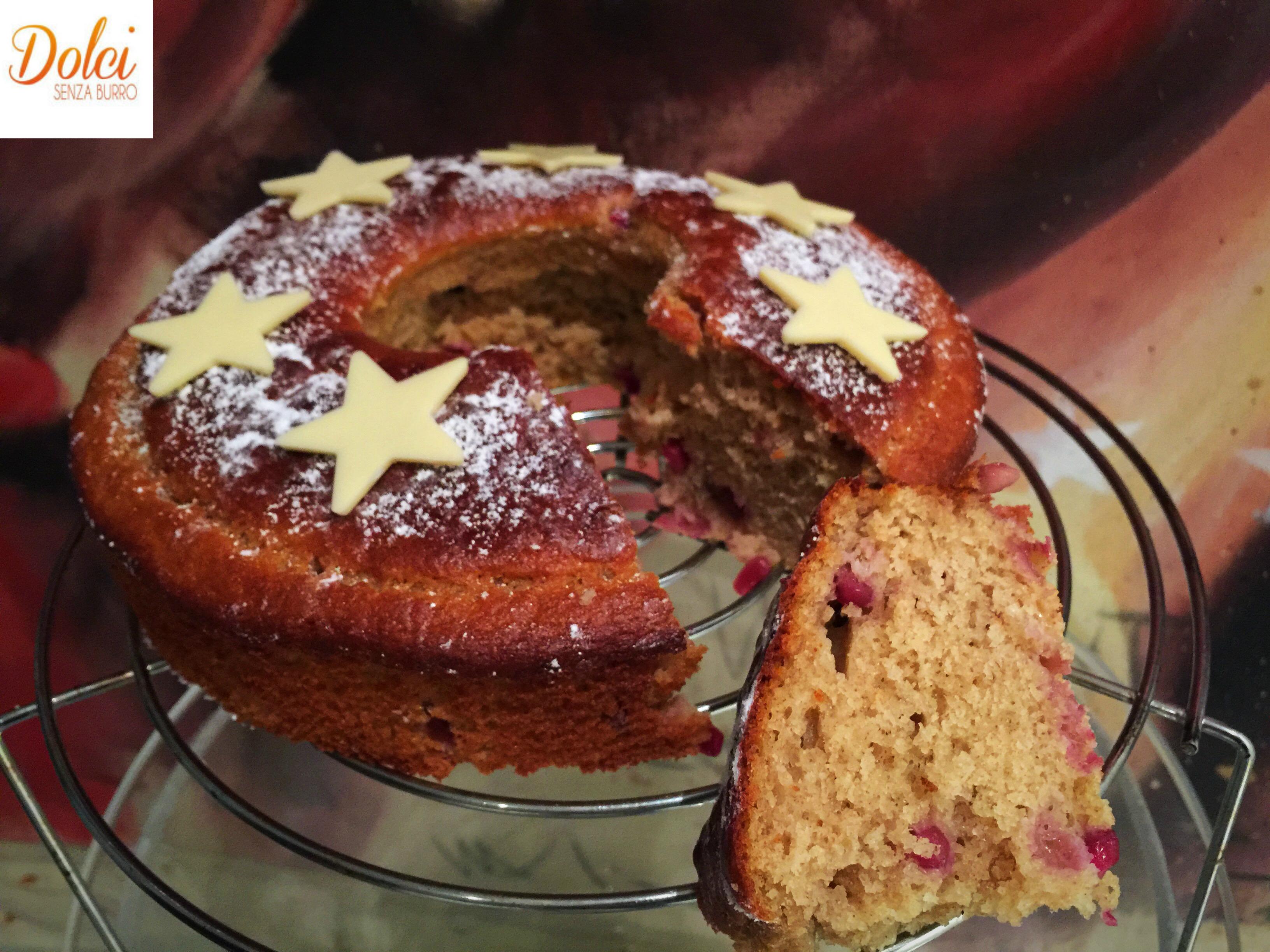 Torta al Melograno e Cioccolato Bianco , un dolce senza uova sfizioso e goloso di dolci senza burro
