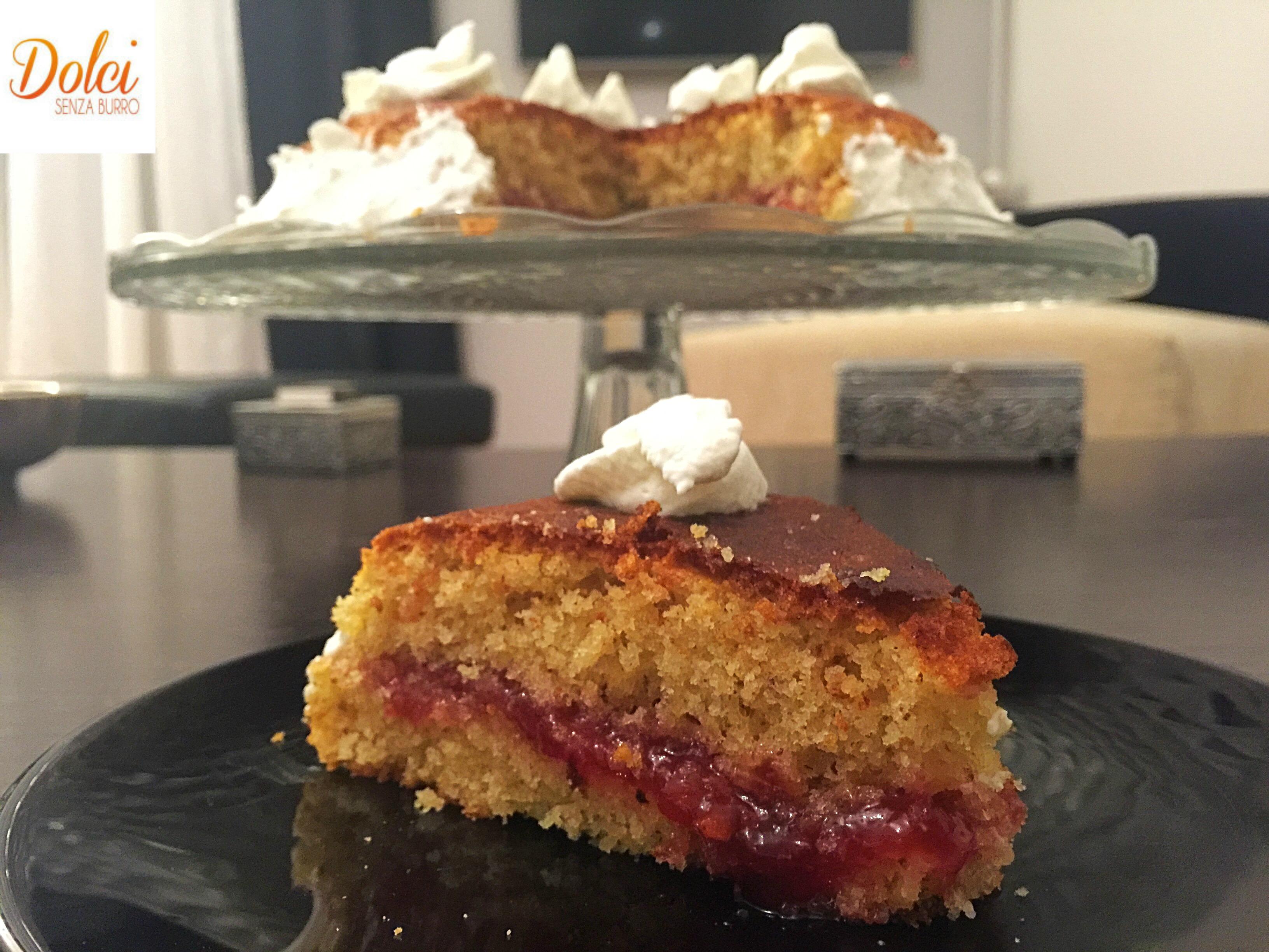 Torta alla Vaniglia e Marmellata Senza Burro, una golosa e soffice torta di dolci senza burro