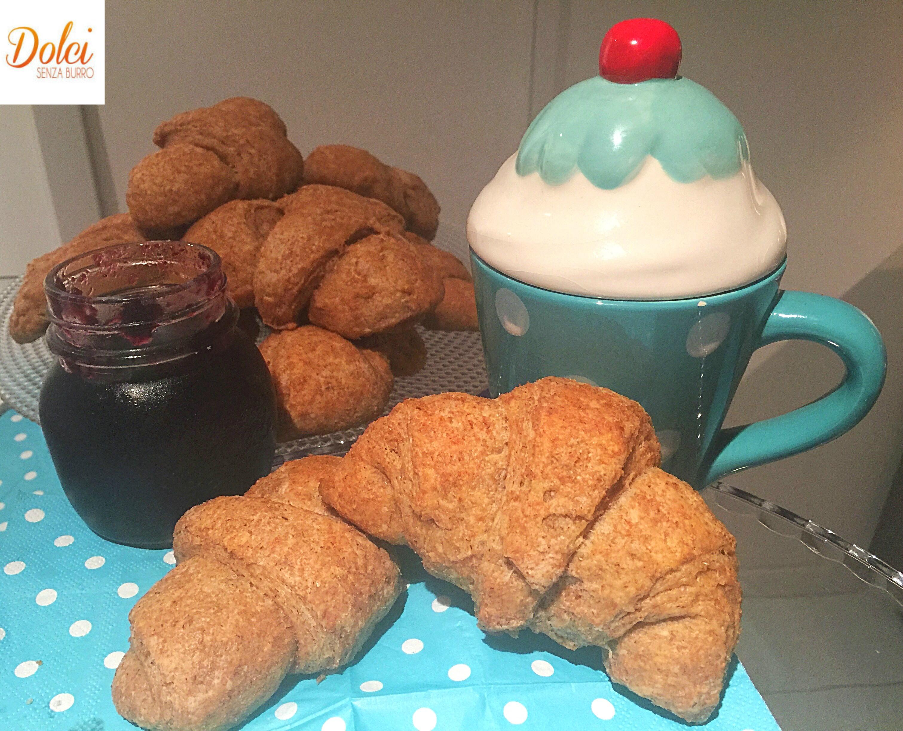 Croissant Integrali Senza Burro e senza zucchero preparati con la stevia da dolci senza burro