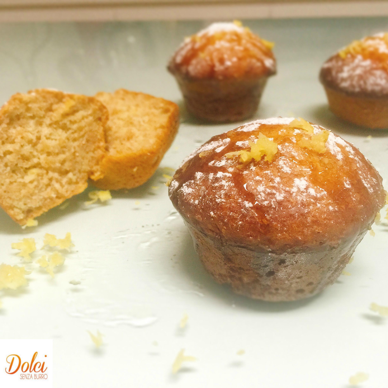 Muffin al Miele e Limone Senza Burro, dei golosi muffin dal gusto dolce e aromatico di dolci senza burro