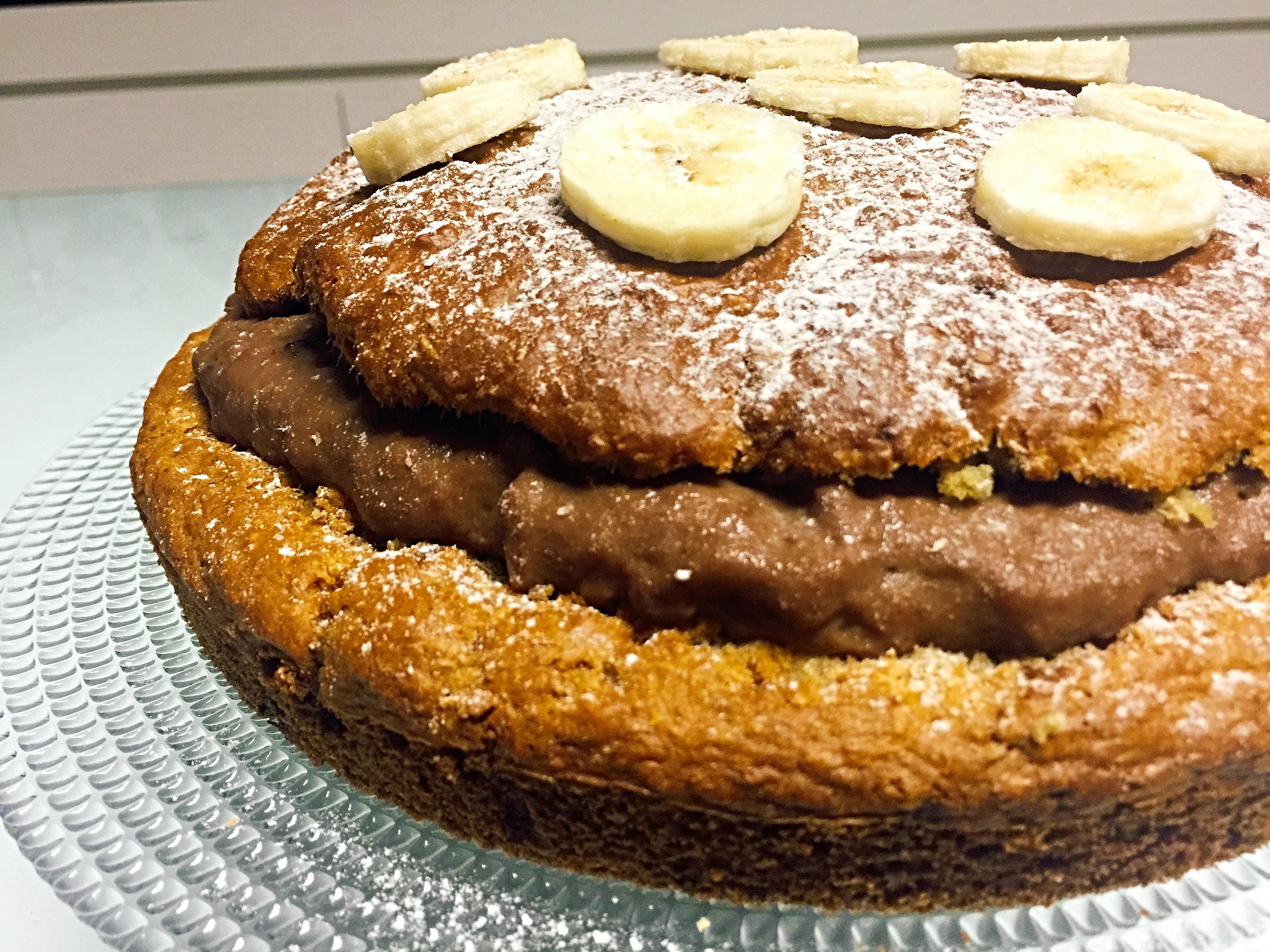 Torta alla Crema di Banana Senza Burro, un dolce originale senza uova e latticini di dolci senza burro
