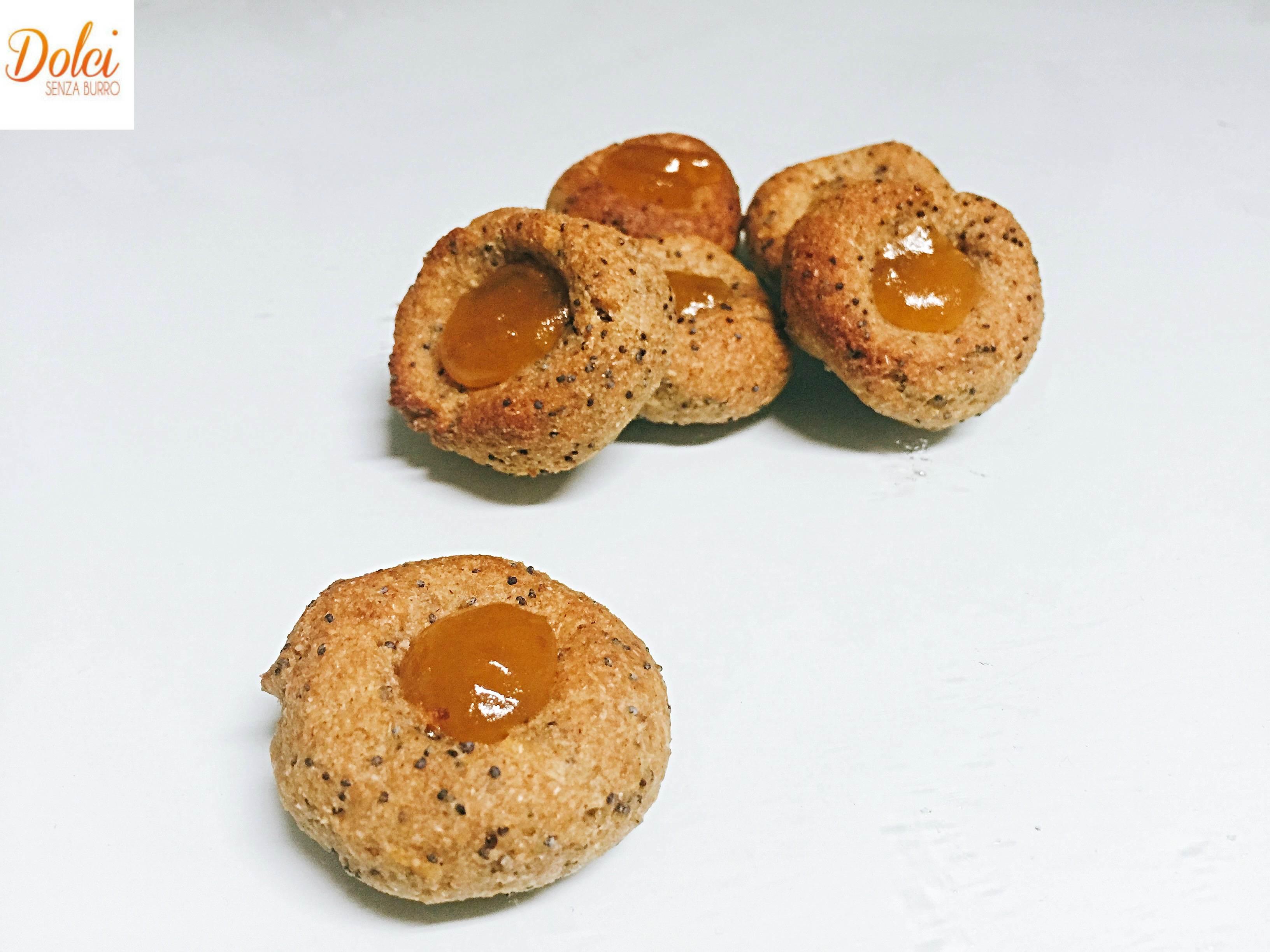 Biscotti Integrali Senza Burro alla Marmellata, sani e genuini! Un biscotto senza grassi e lattosio di dolci senza burro