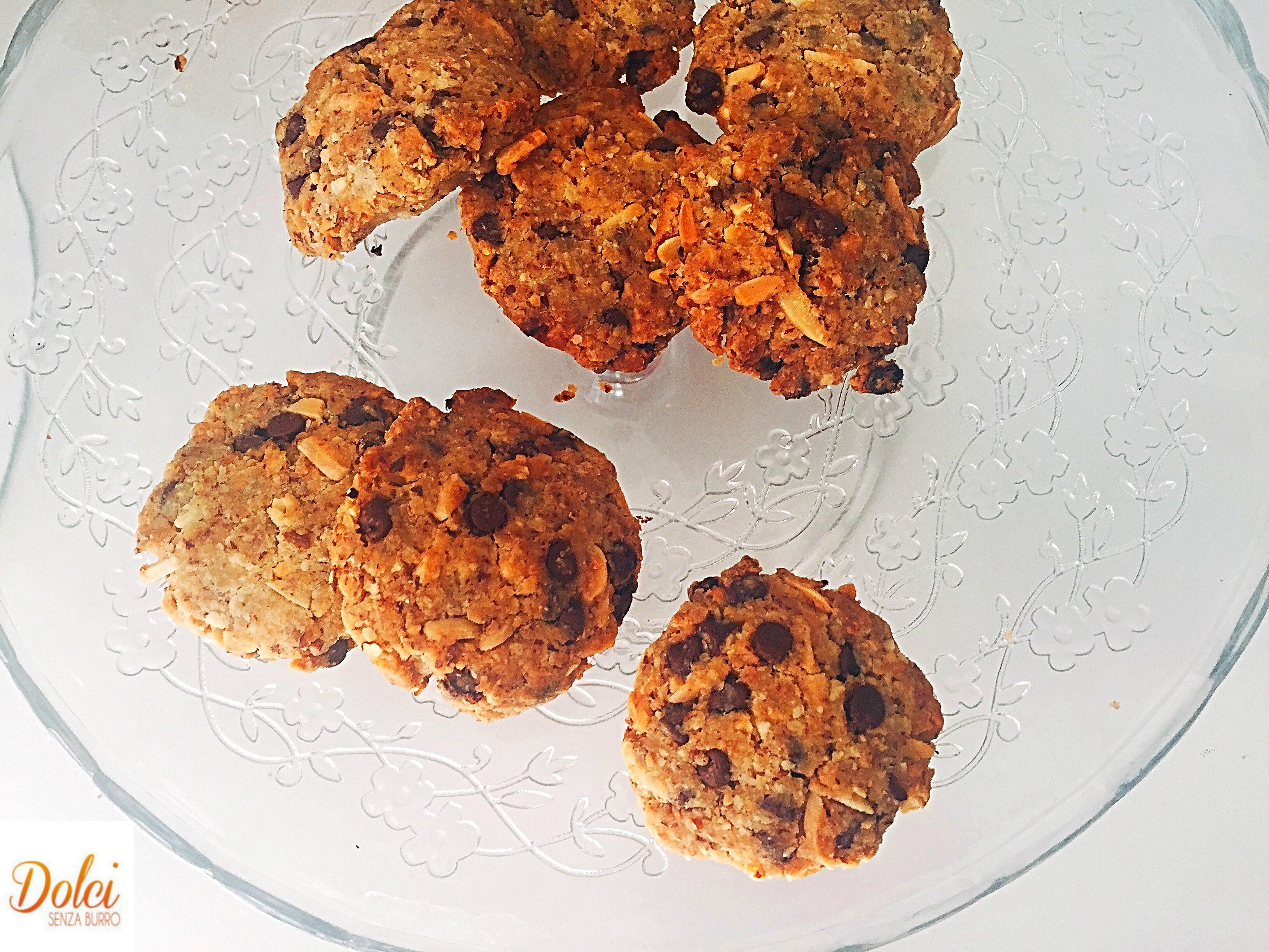 Cookies alle Nocciole Senza Burro e Uova, una versione originale di dolci senza burro