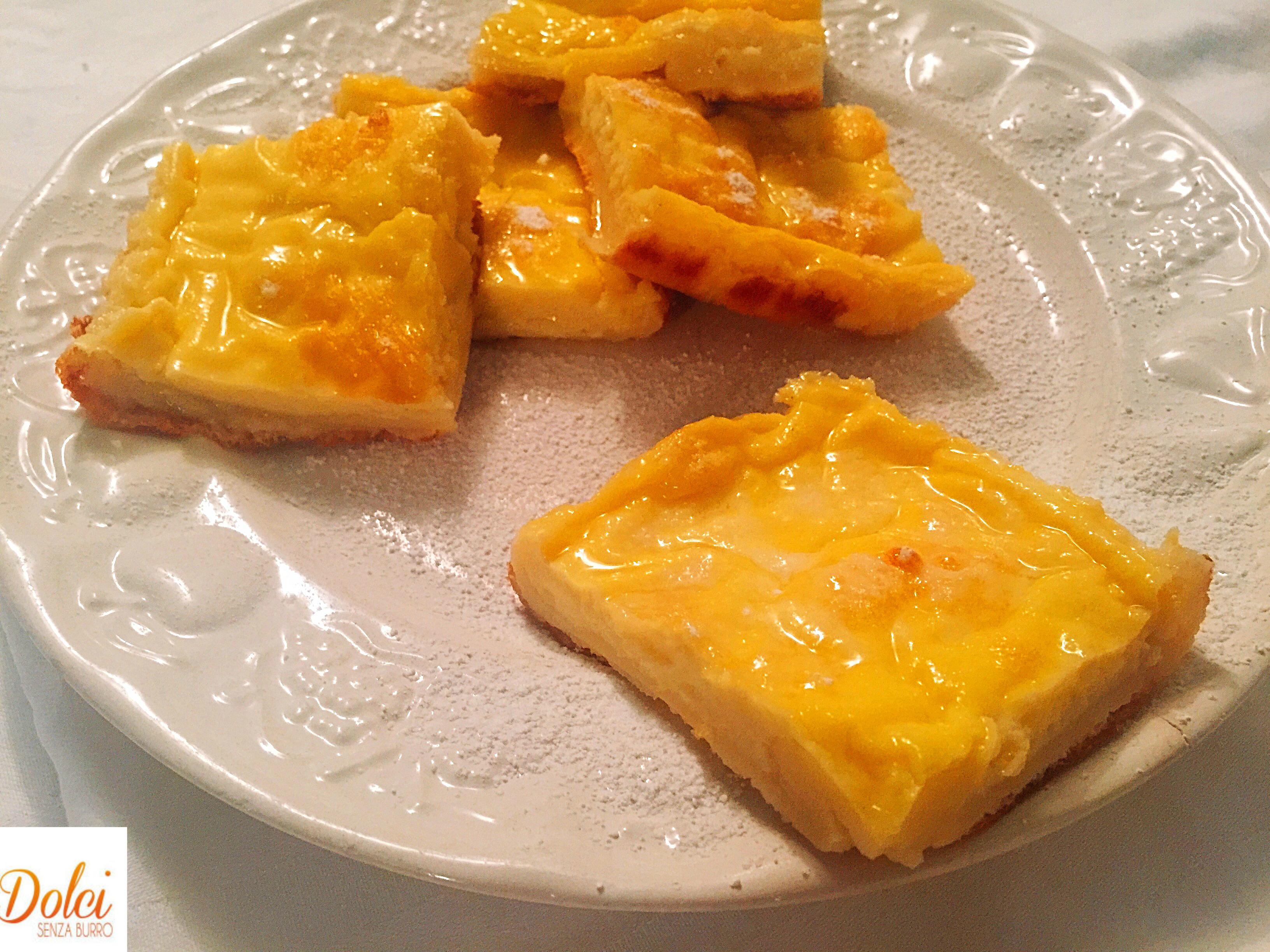 Lattaiolo Toscano, una crema a base di latte e uova aromatizzata con spezie e limone e cotta in forno di dolci senza burro
