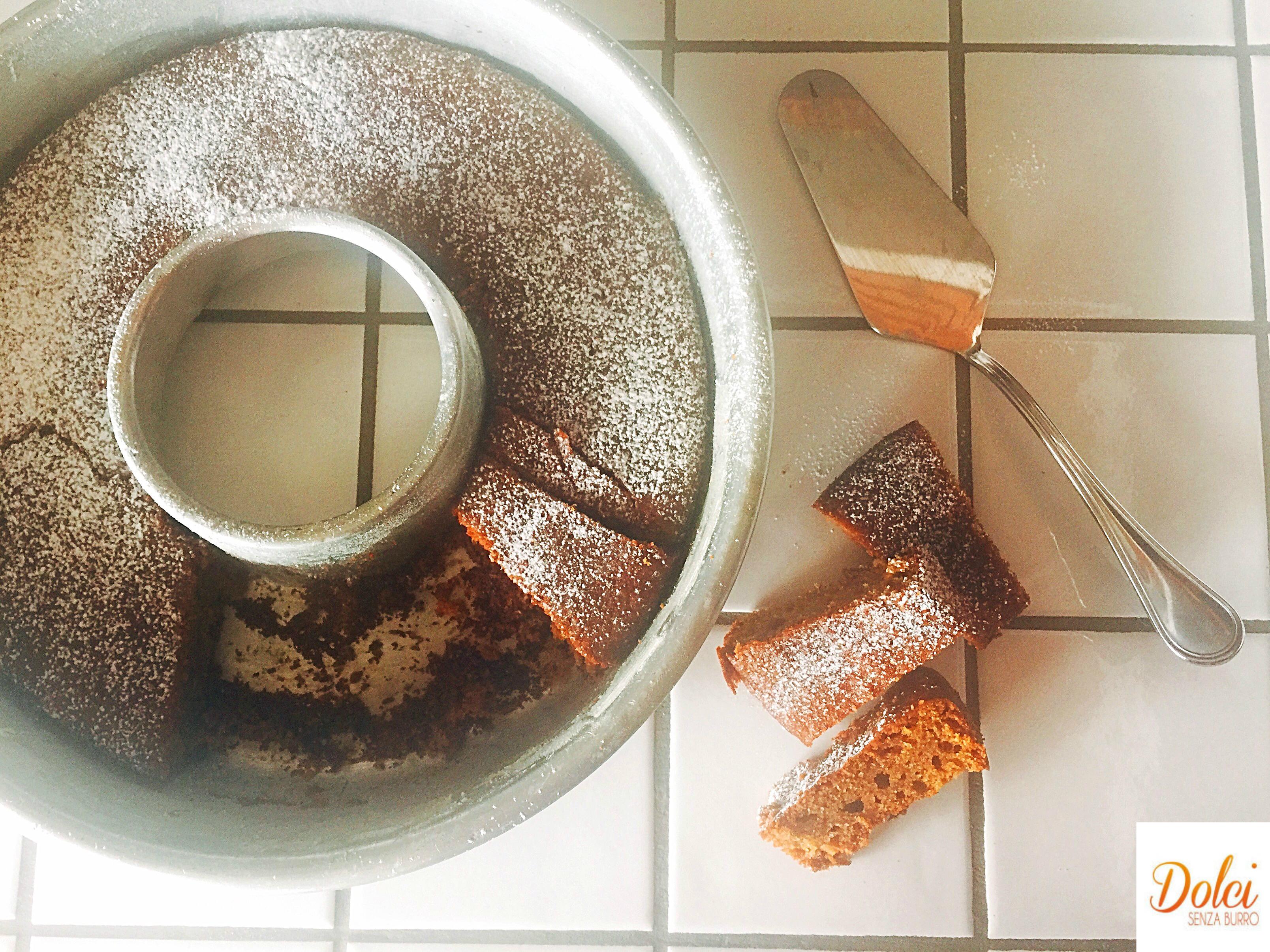 Torta allo Zucchero di Cocco Senza Burro, un dolce dal sapore goloso e sfizioso di dolci senza burro