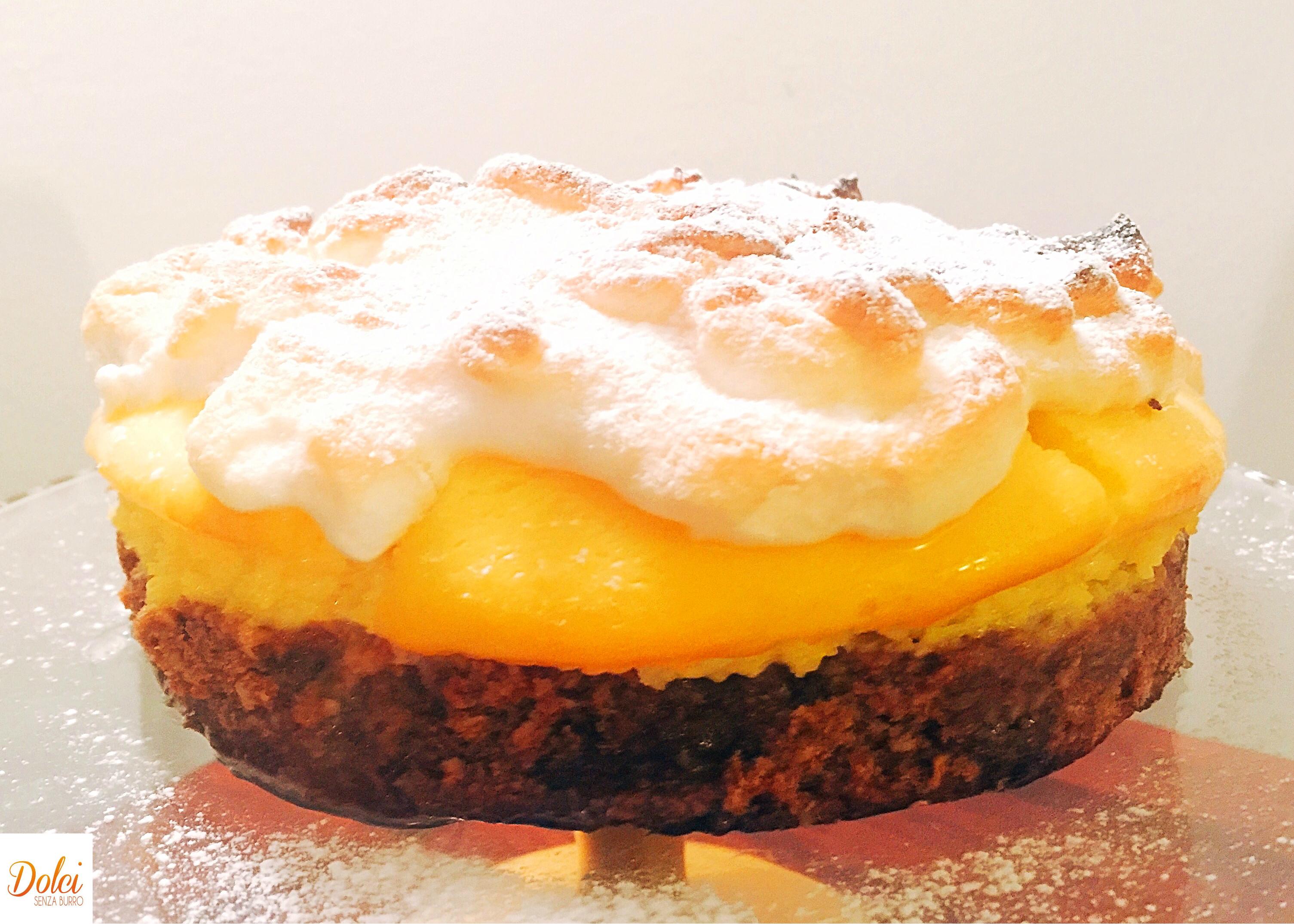 Cheesecake al Limone Meringata Senza Burro, tyre strati di puro godimento di dolci senza burro