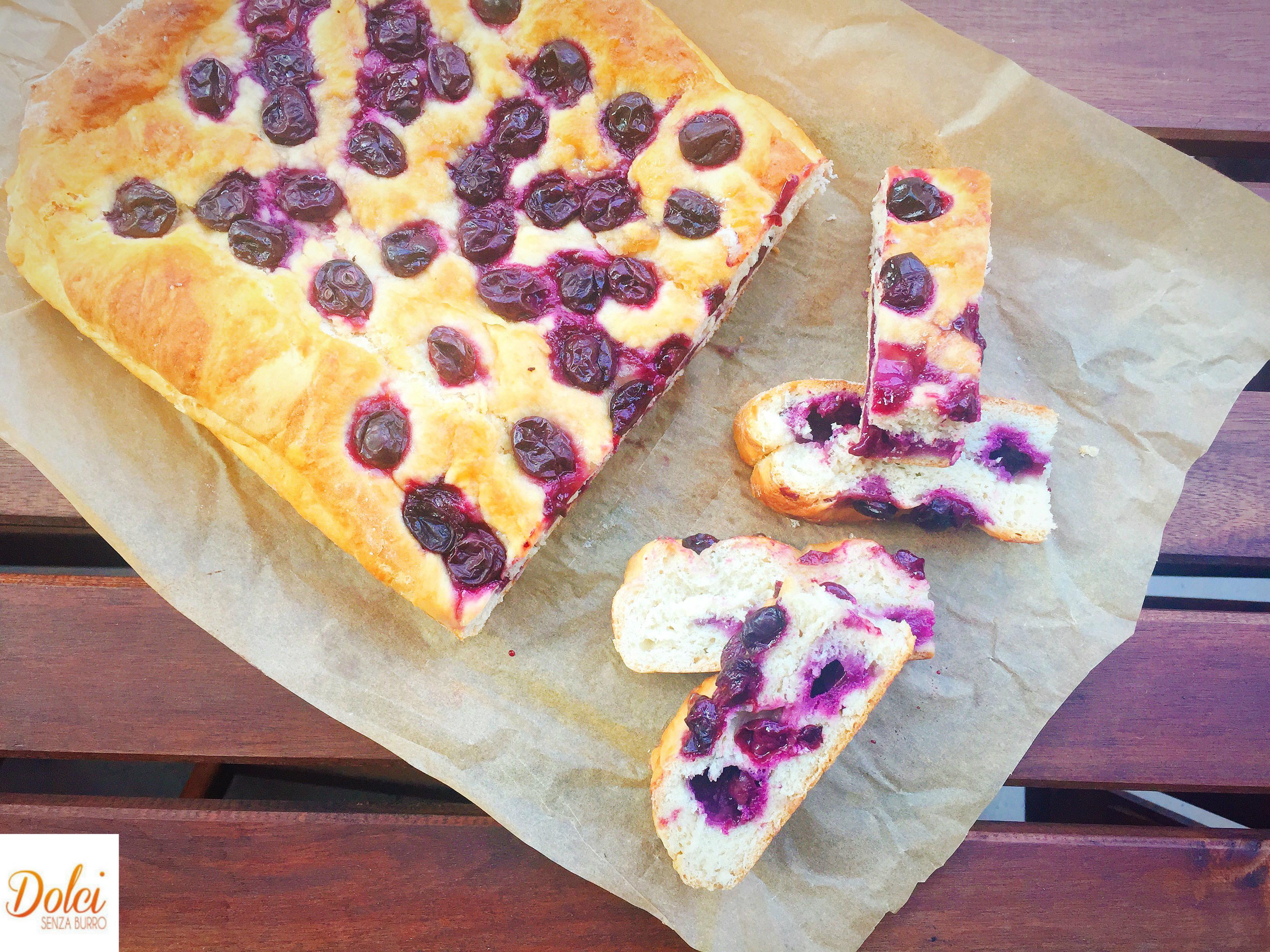Schiacciata con l'Uva, un dolce goloso e particolare di dolci senza burro
