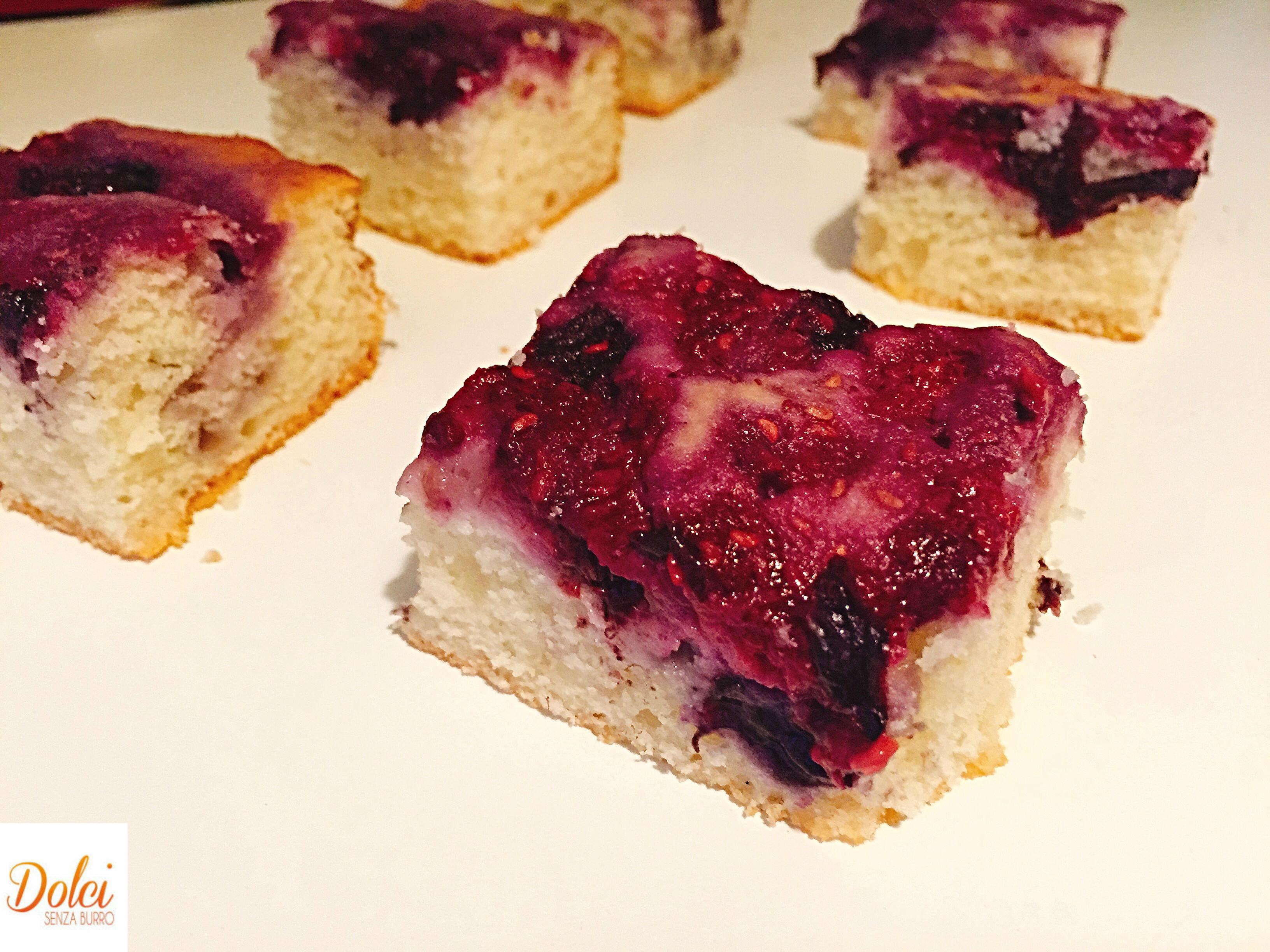 La Torta con Farina di Riso e Frutti di Bosco è un piccolo e leggero peccato di gola!