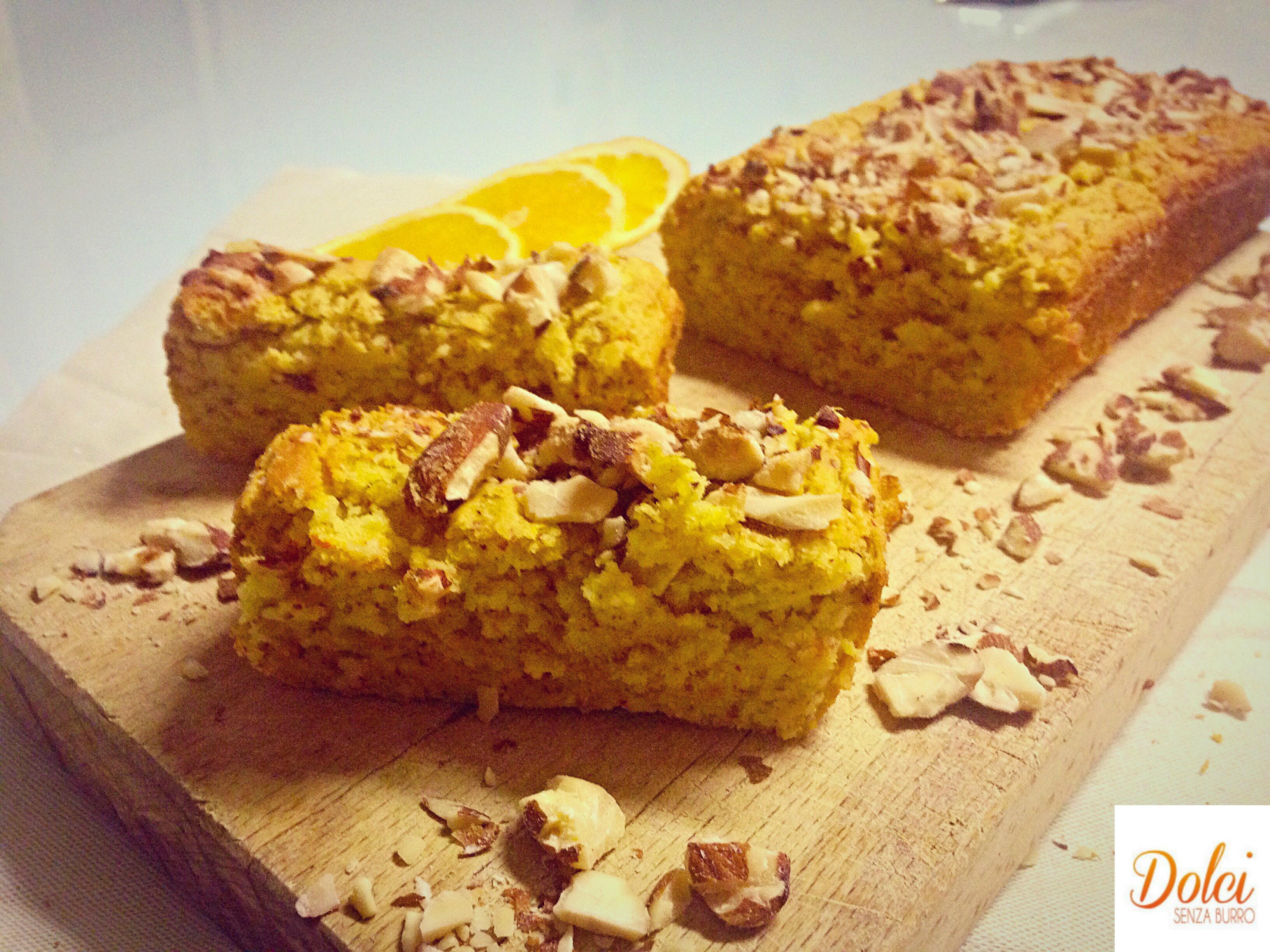 Pan d'Arancio Alle Mandorle Senza Burro, un sapore delicato in un dolce goloso di dolci senza burro