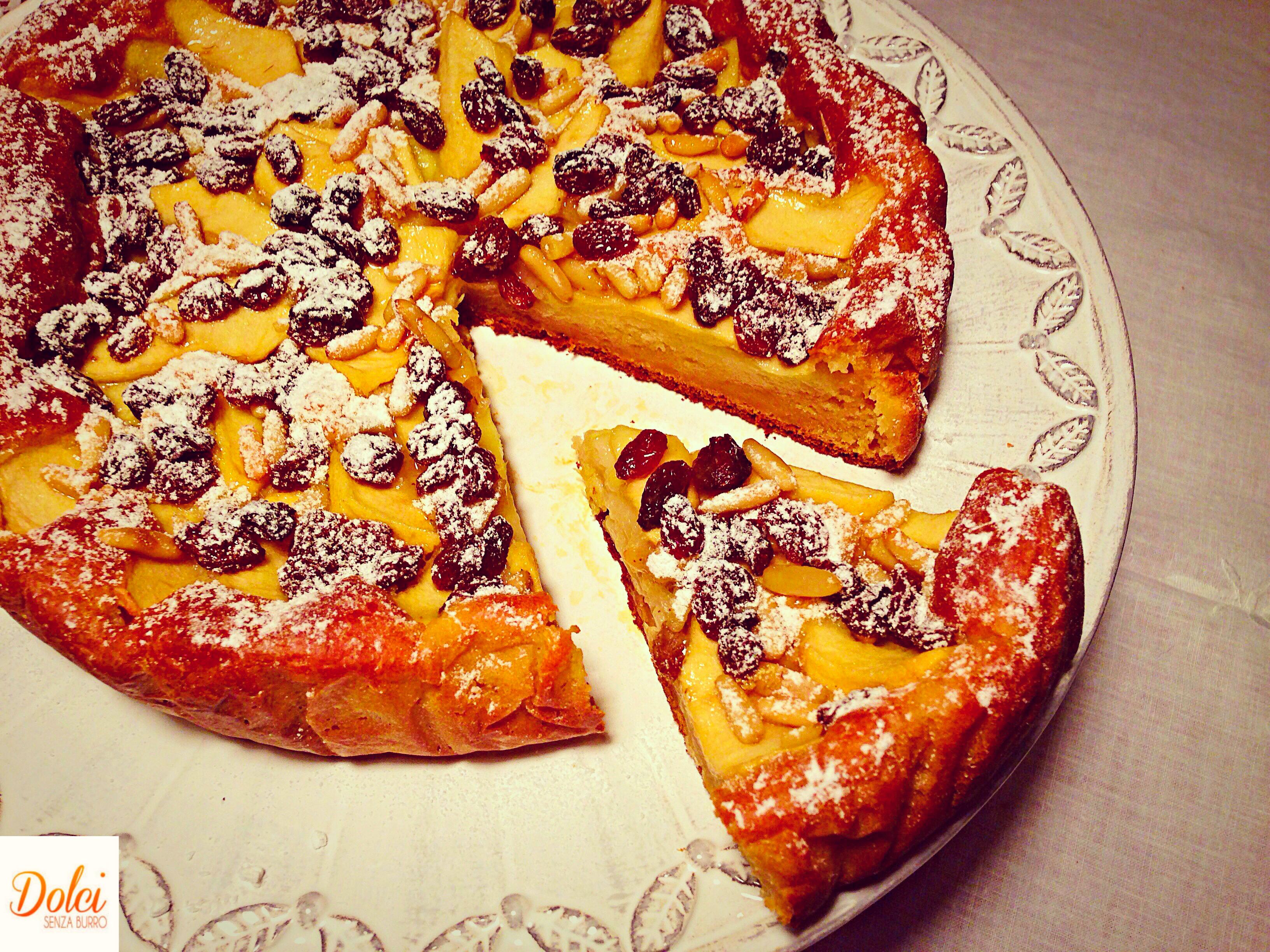 Torta di Mele e Uvetta Senza Burro, la variante dello strudel in torta di dolci senza burro