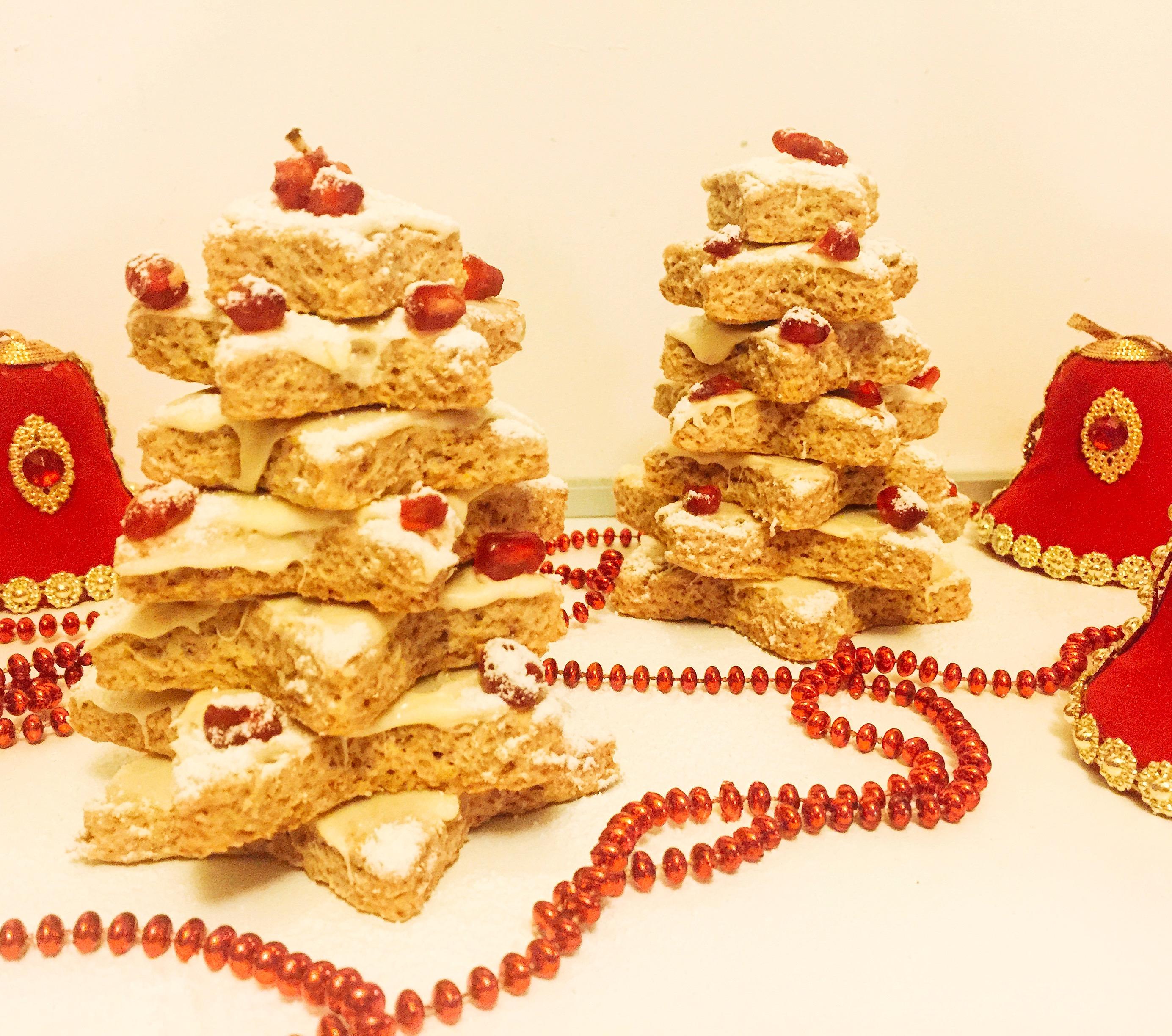 L'Albero di Biscotti Senza Burro, una composizione scenografica e golosa per stupire durante le feste con dolci senza burro