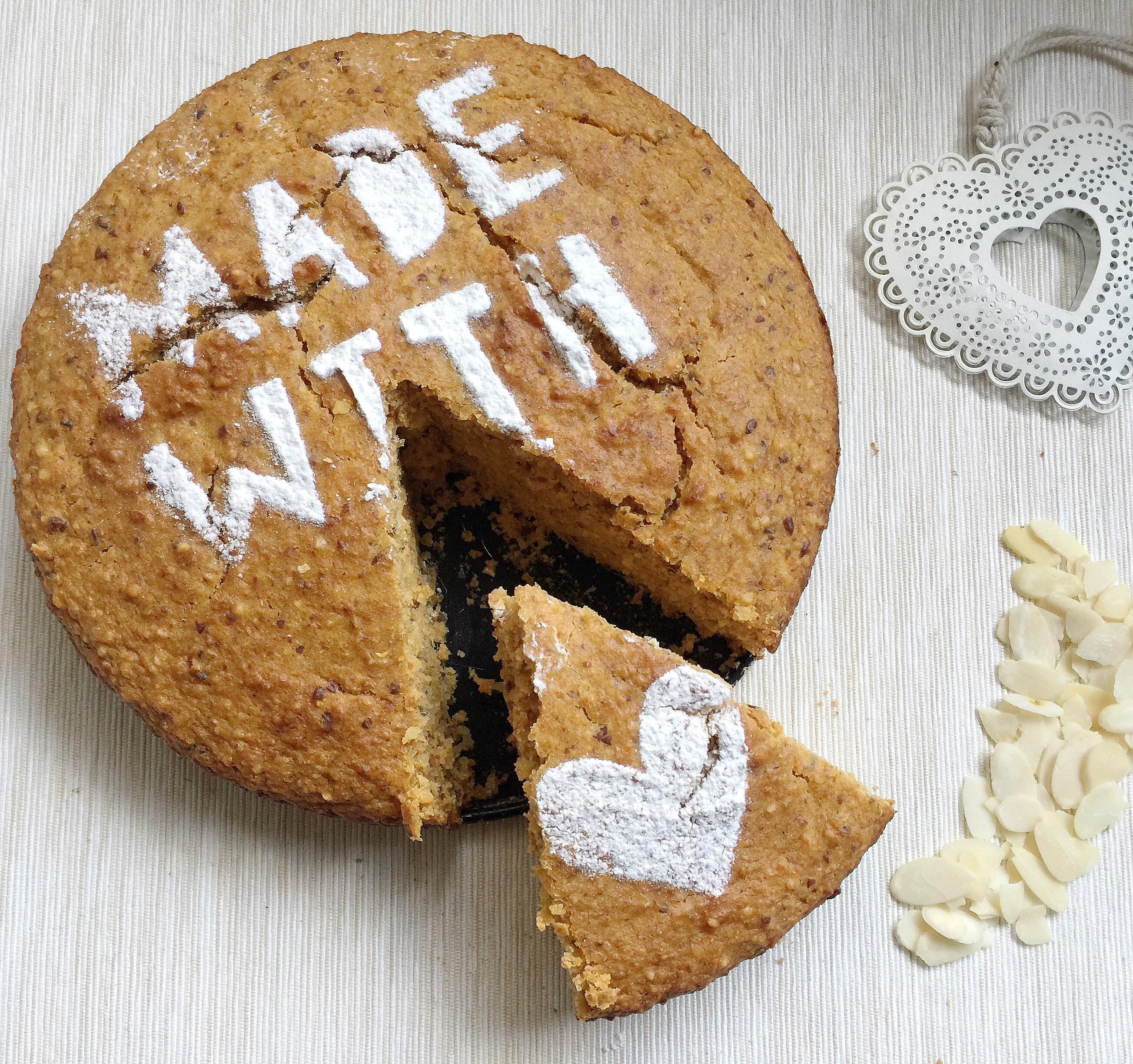 Torta Carote e Mandorle Senza Burro, il dolce goloso sano e genuino di dolci senza burro
