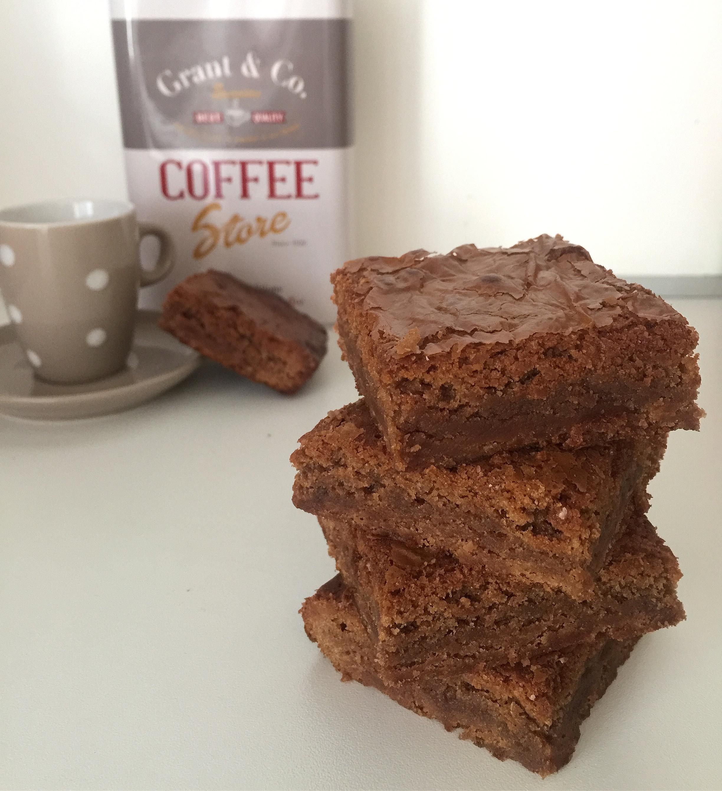 Brownies al Cioccolato al Latte Senza Burro, una versione speciale delle famose tortine di dolci senza burro