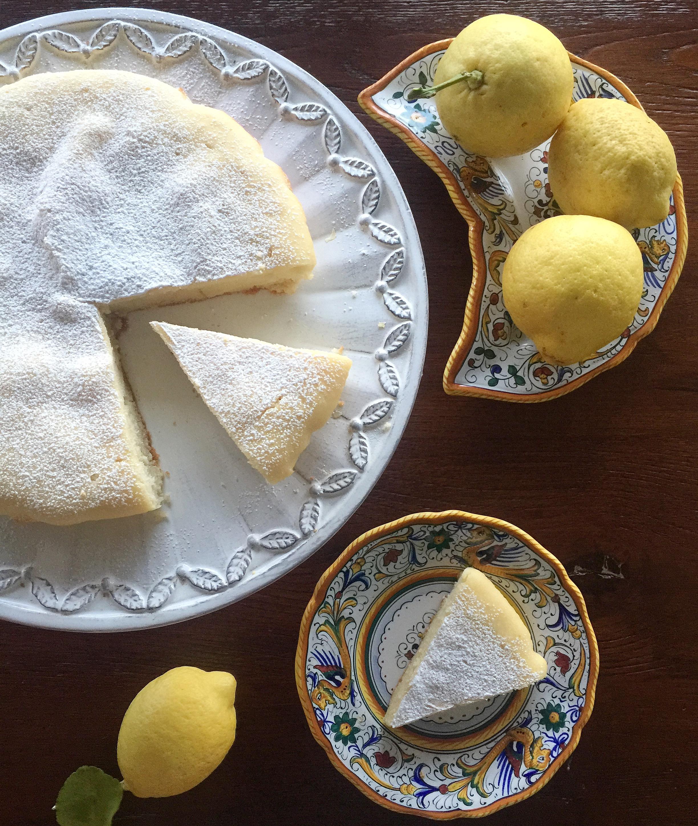 Pan di Limone Senza Burro,una torta alta e soffice e profumata di dolci senza burro