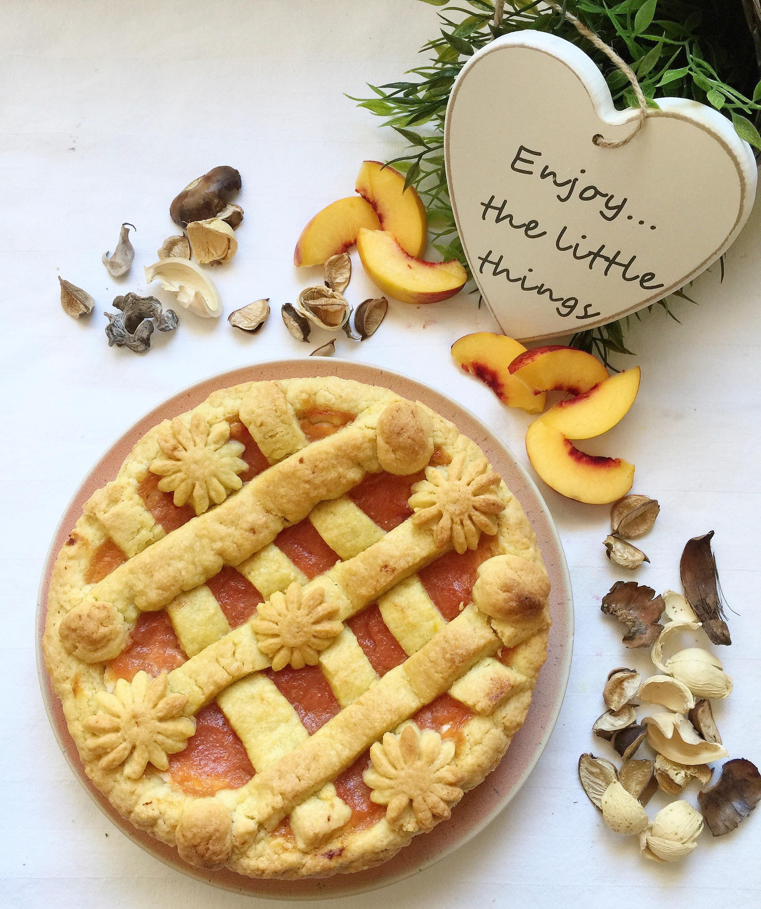 Crostata Ricotta e Pesche Senza Burro, un mix perfetto di sapori di dolci senza burro