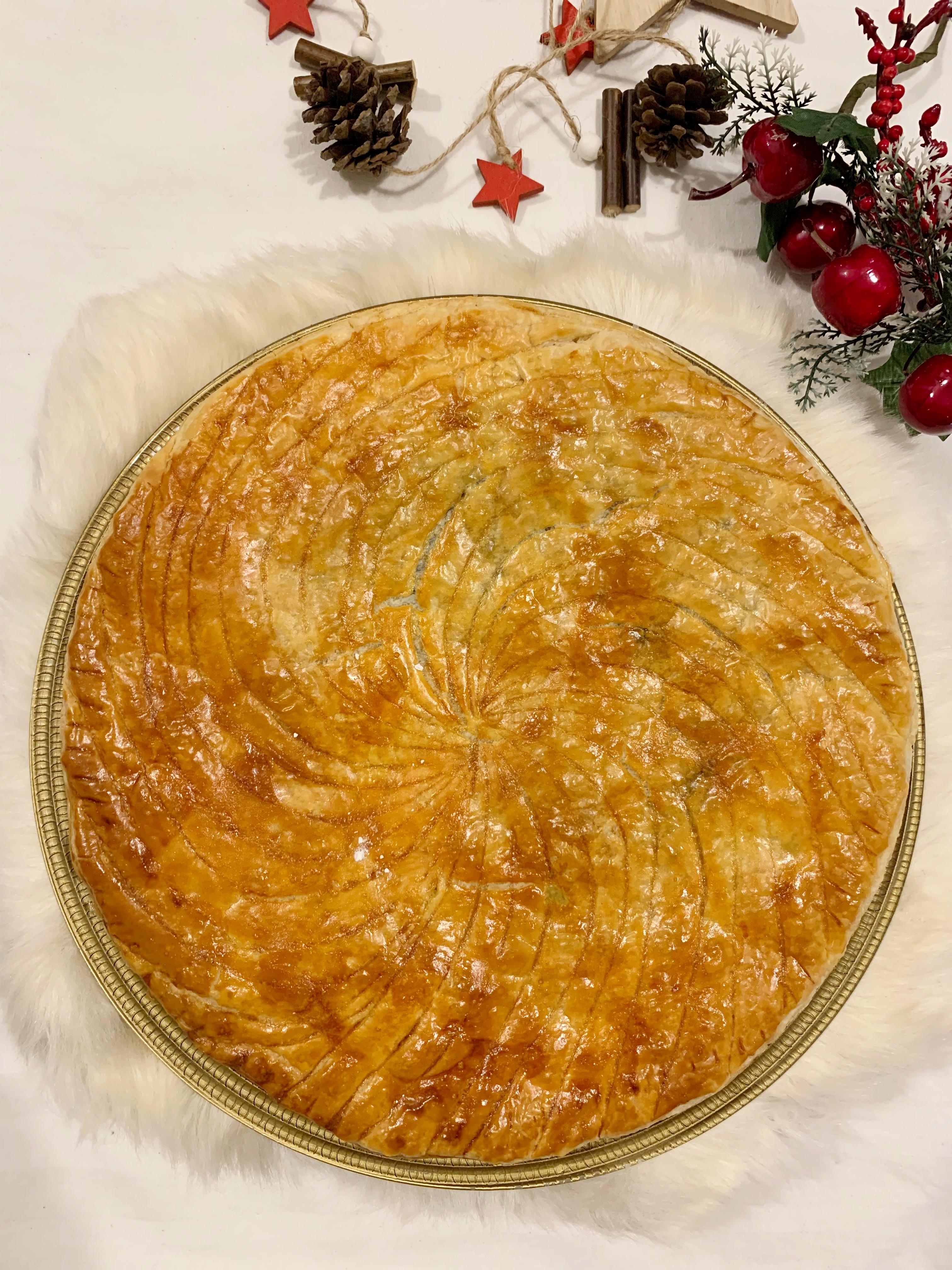 La Galette de Rois è un dolce francese che si prepara per l'epifania super goloso!