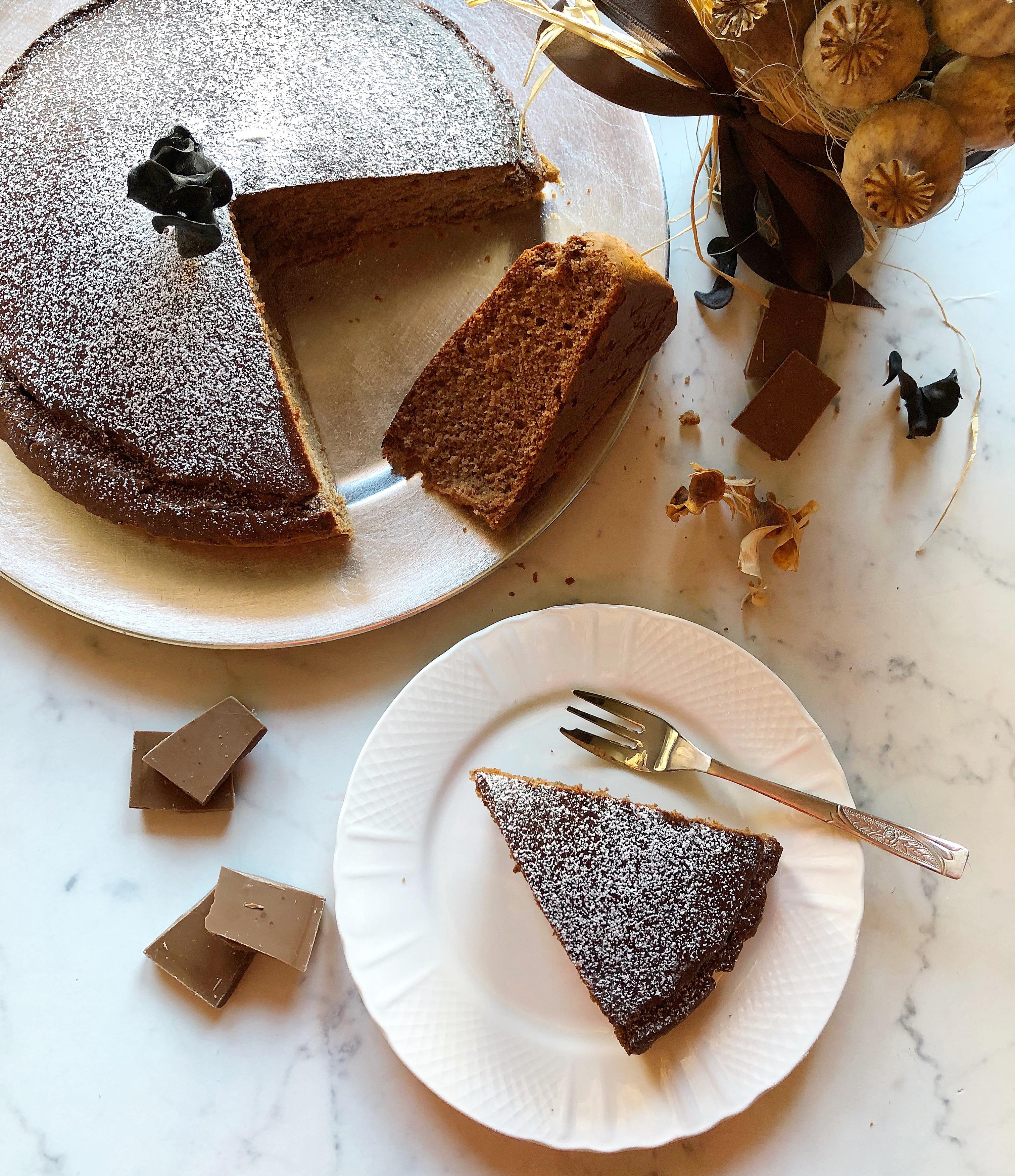 Torta Albumi e Cioccolato Senza Burro, un dolce light e goloso di dolci senza burro