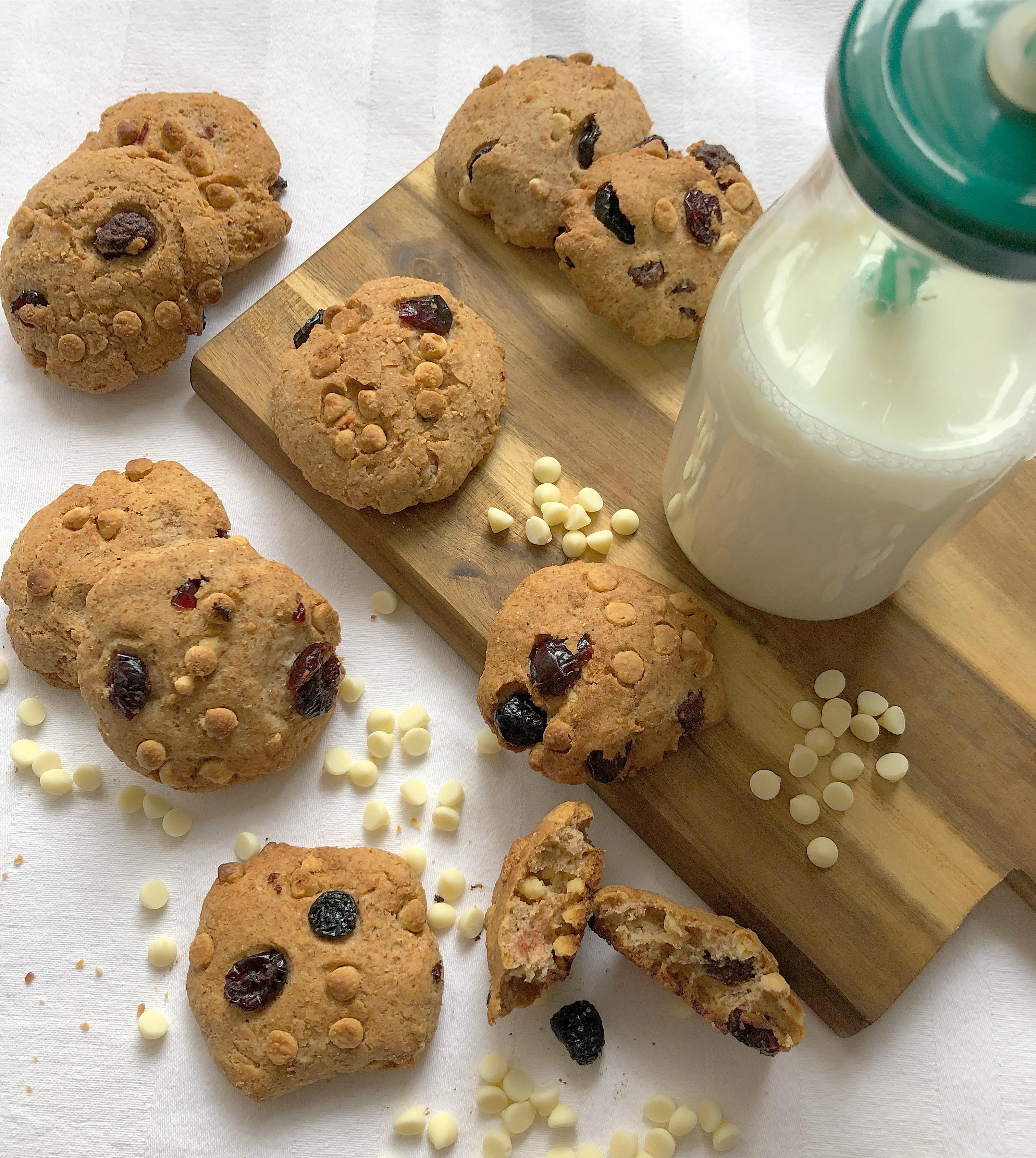 Cookies Cioccolato Bianco e Cranberry Senza Burro una nuova versione super golosa!