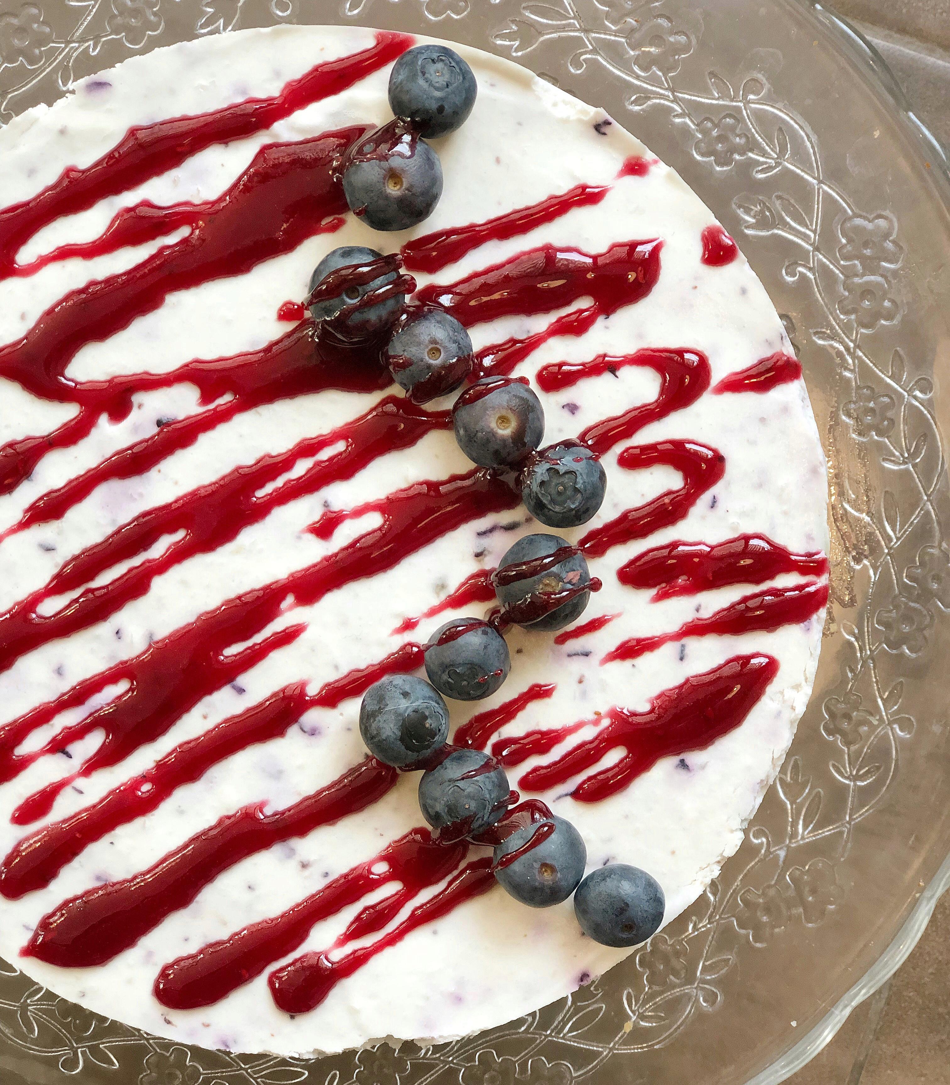 Torta Fredda ai Mirtilli Senza Burro, un dolce goloso e fresco di dolci senza burro