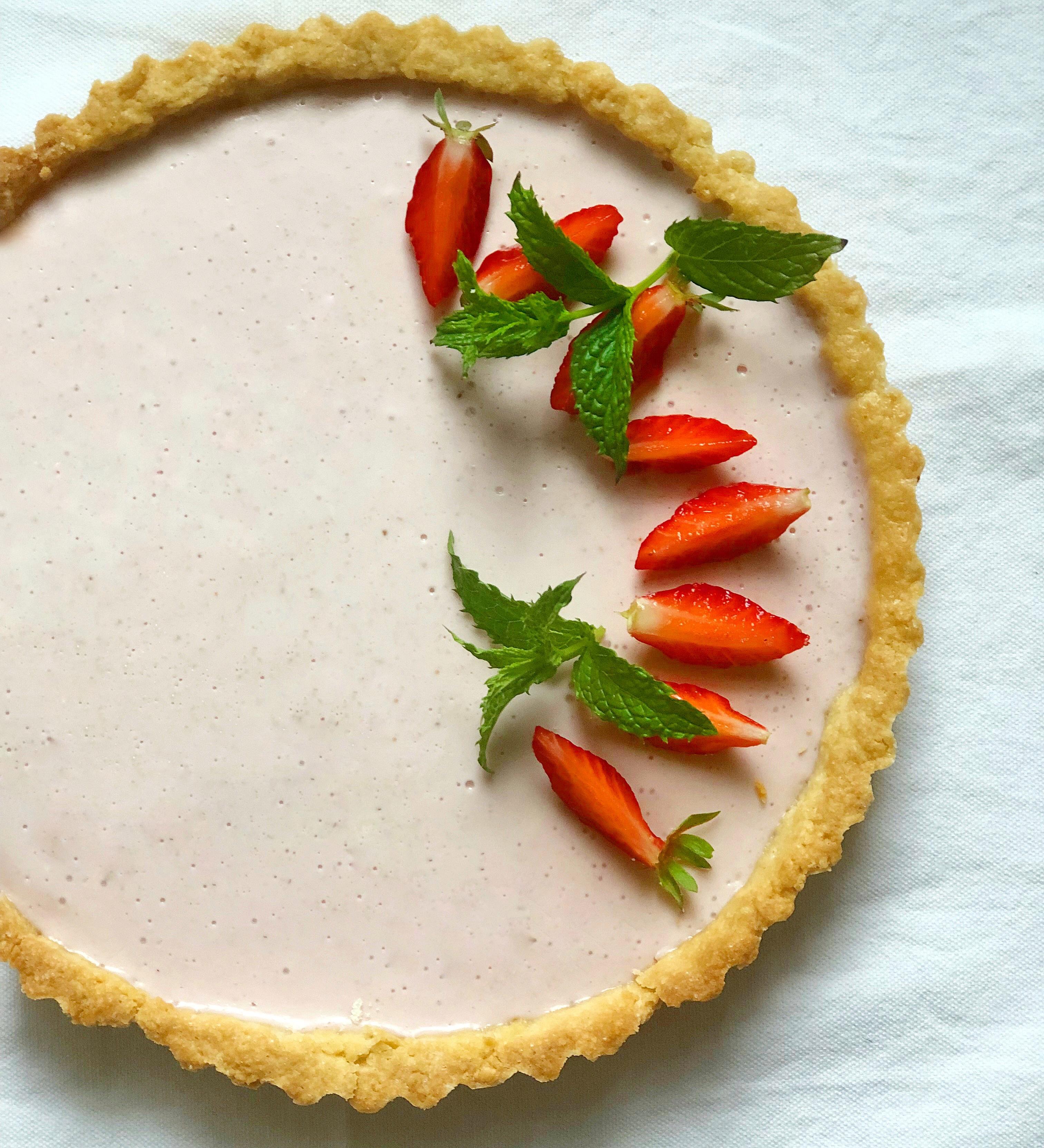 Crostata con Panna Cotta alle Fragole, un dolce irresistibile di dolci senza burro