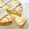 Crostata Ricotta e Cioccolato Bianco Senza Burro, un dolce cremoso da sapore avvolgente e delicato di dolci senza burro